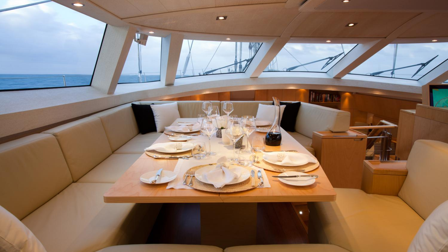 drumbeg-yacht-formal-dining