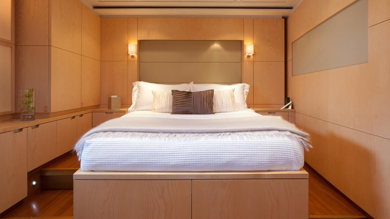 drumbeg-yacht-double-cabin