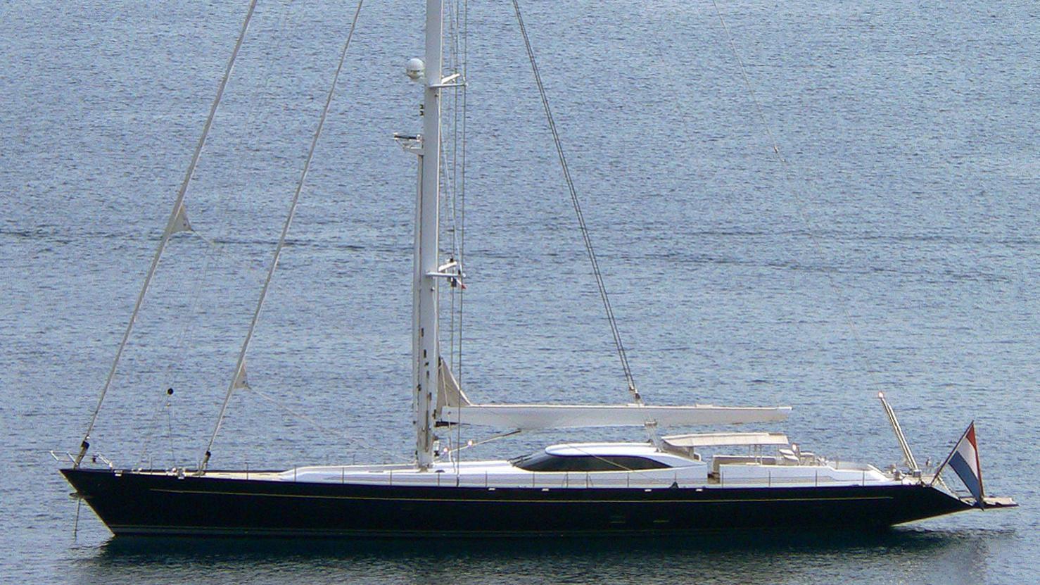bella-ragazza-yacht-exterior