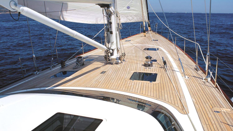 havana-yacht-deck