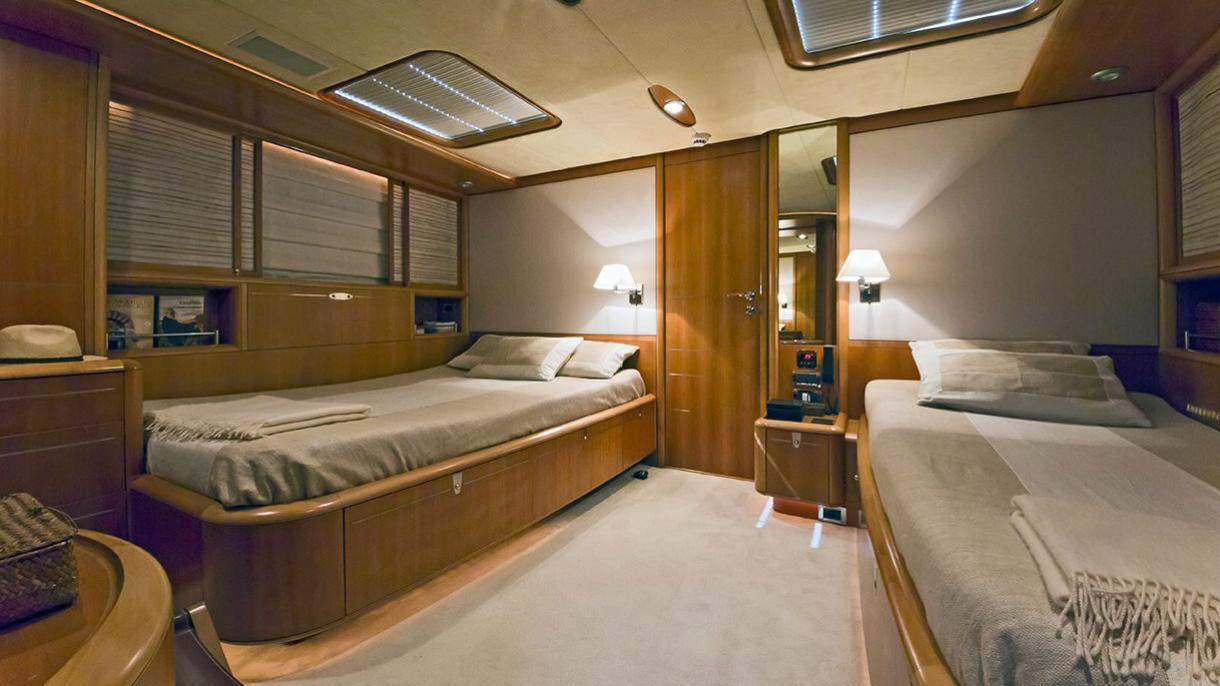 havana-yacht-twin-cabin