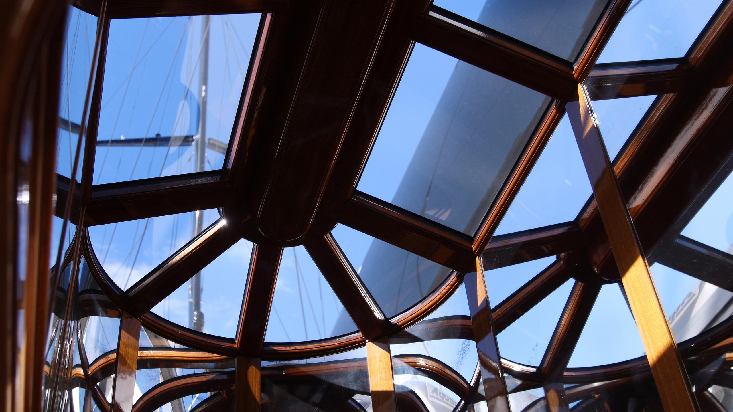 marie-yacht-skylight