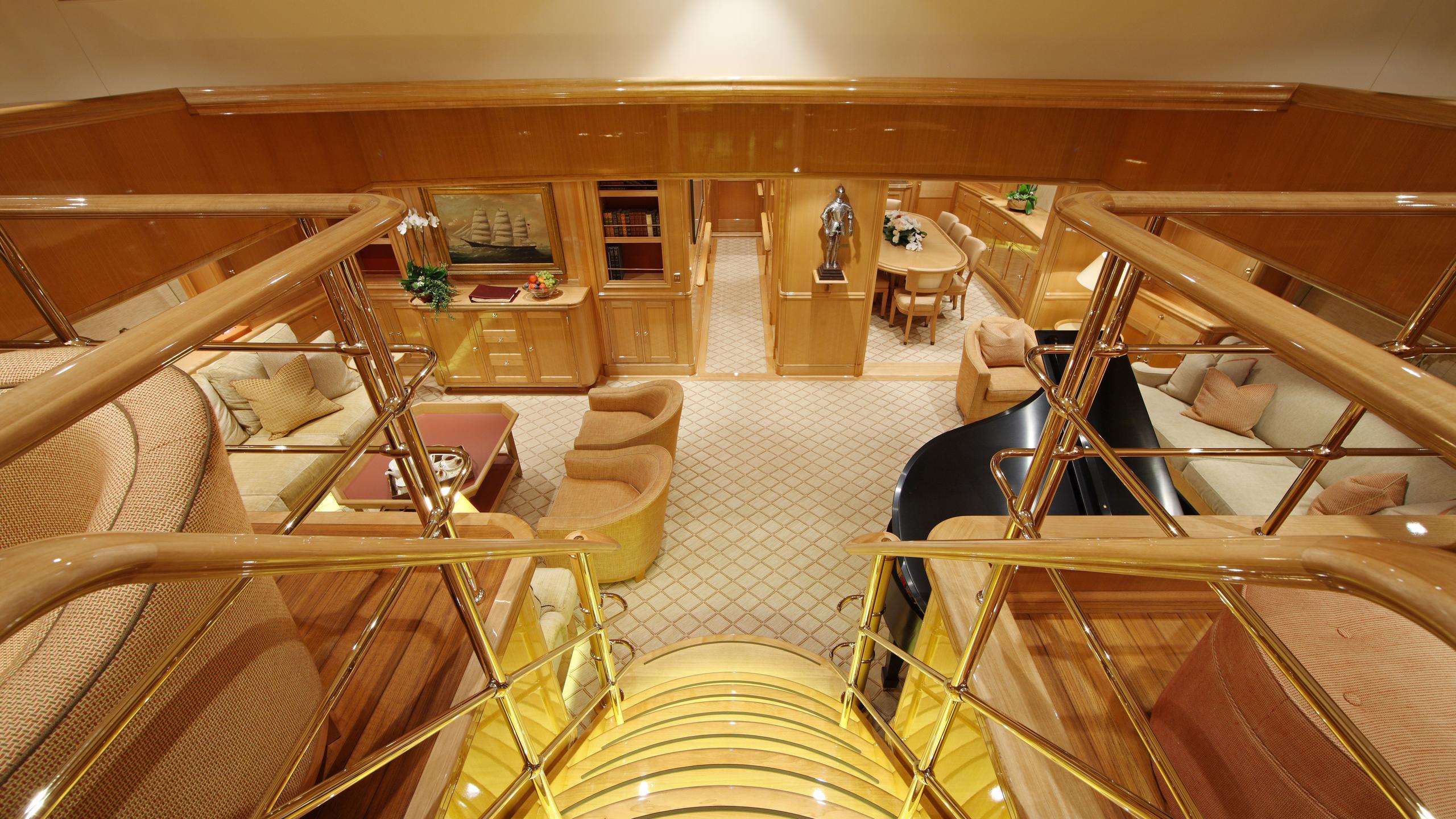 marie-yacht-saloon