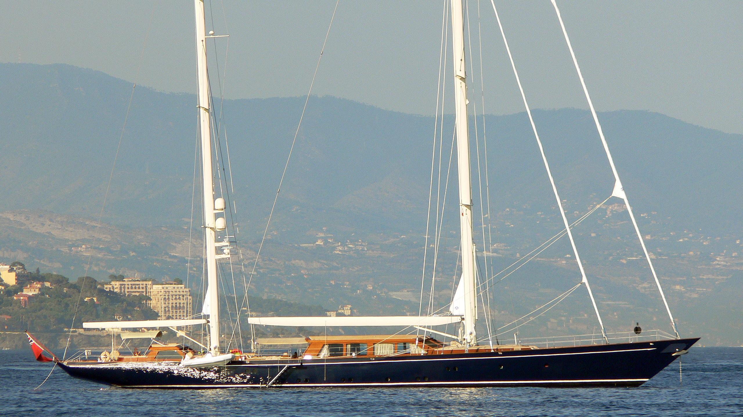 thalia-yacht-exterior