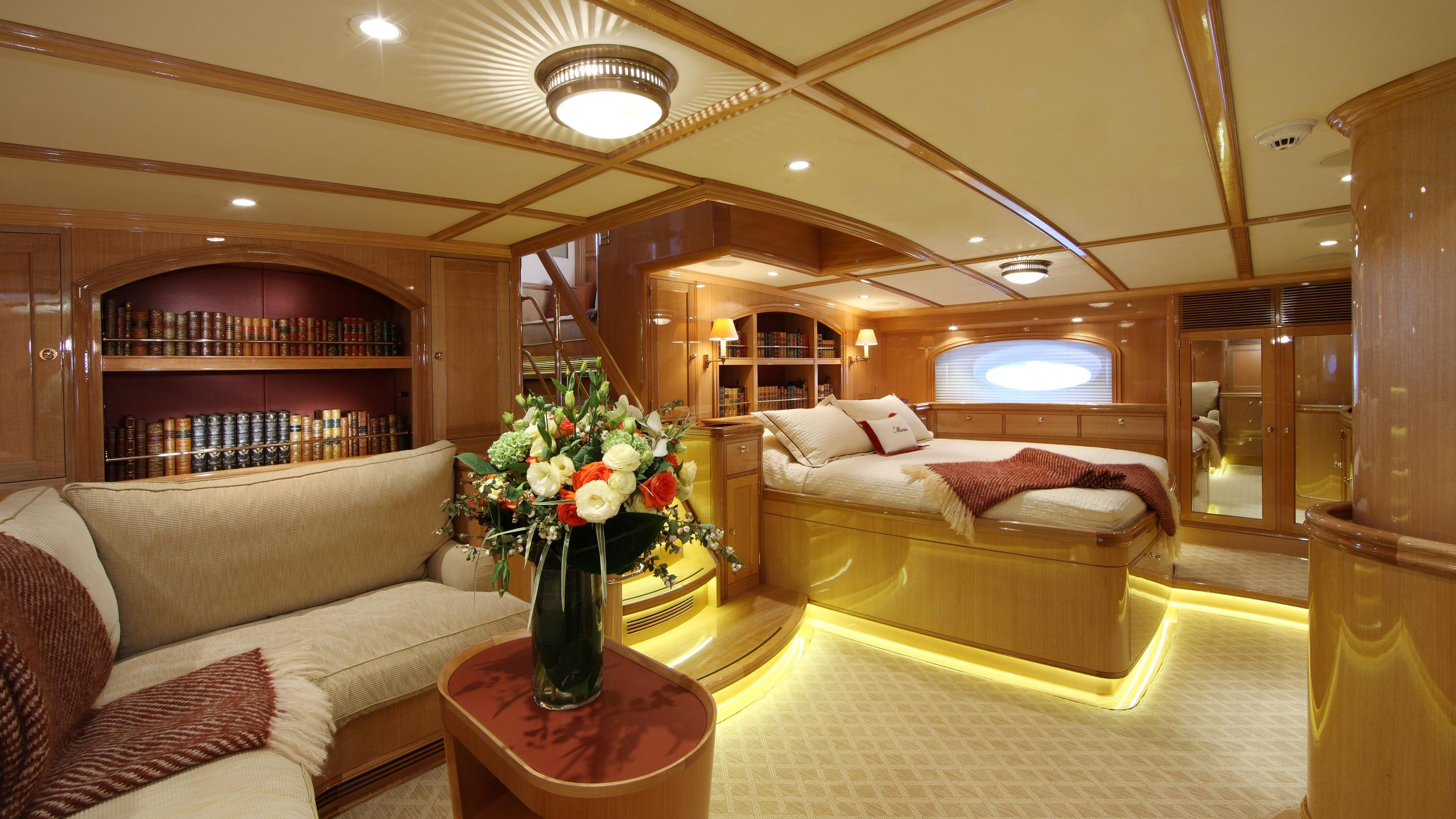 marie-yacht-master-cabin