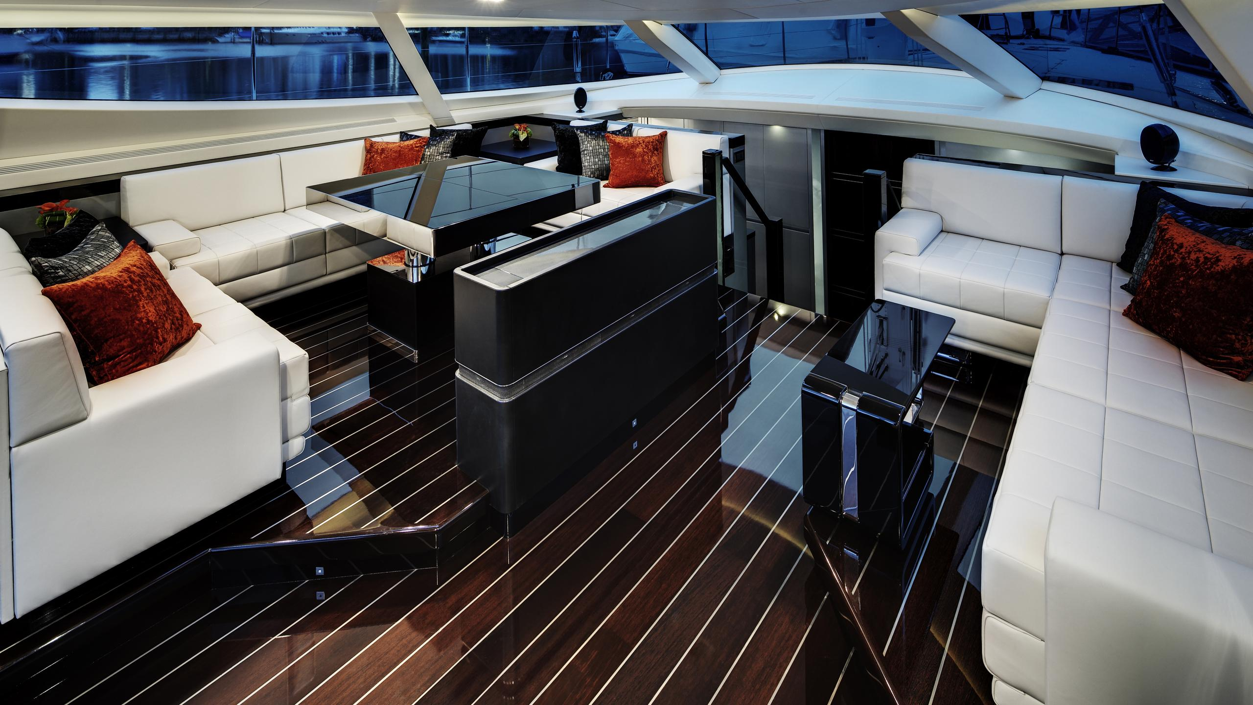 bliss-yacht-saloon