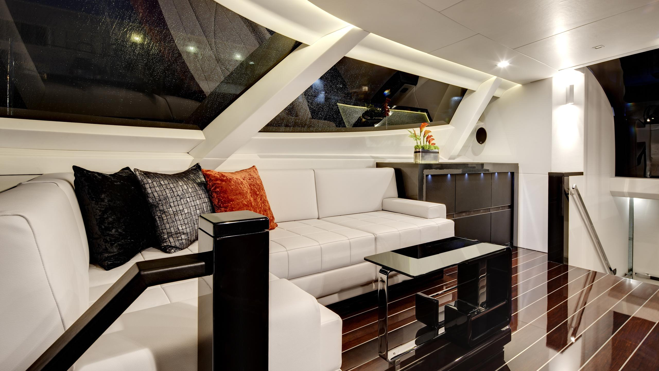 bliss-yacht-lounge