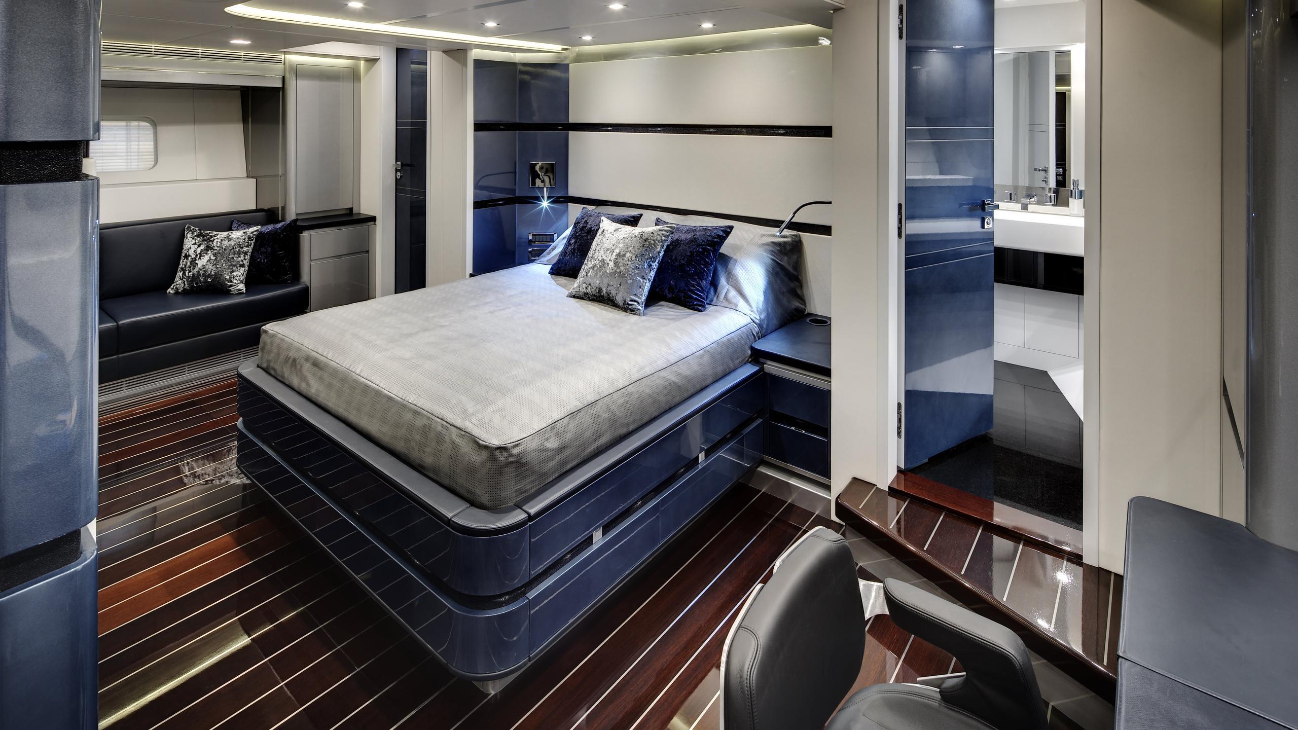 bliss-yacht-master-cabin