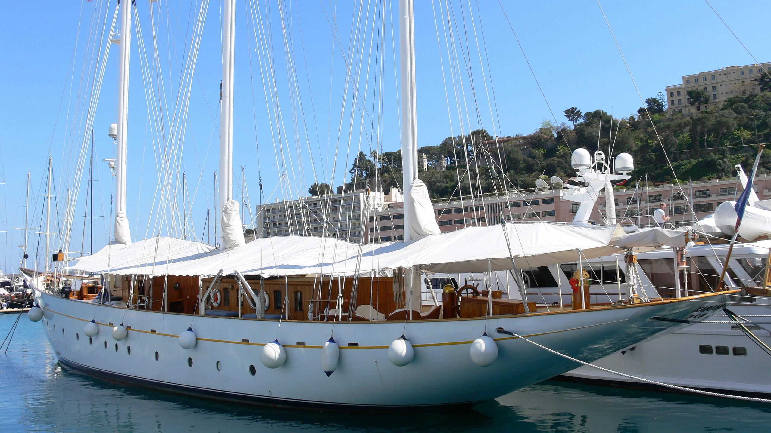 xarifa-yacht-exterior