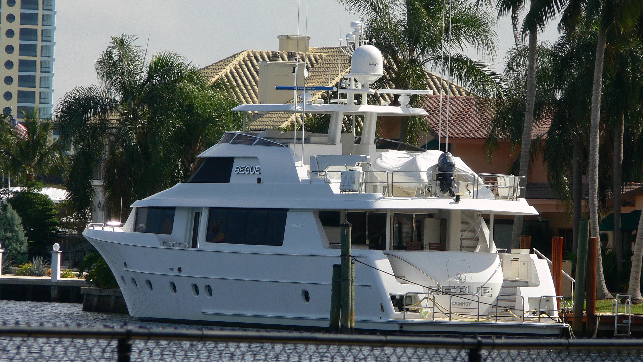 eccentric segue motoryacht westport 112 34m 2008 half stern