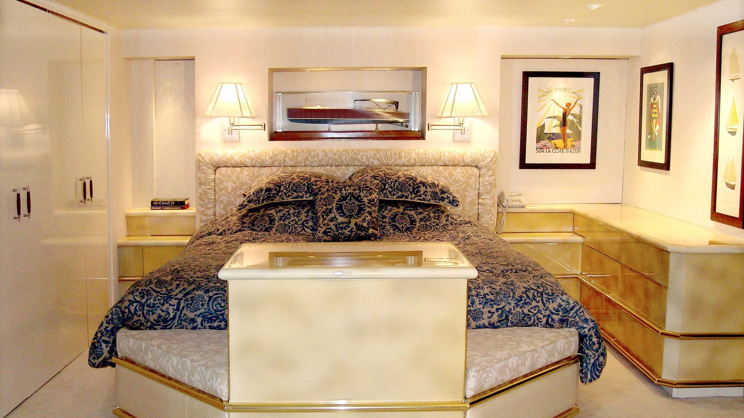 clarissa-yacht-master-cabin