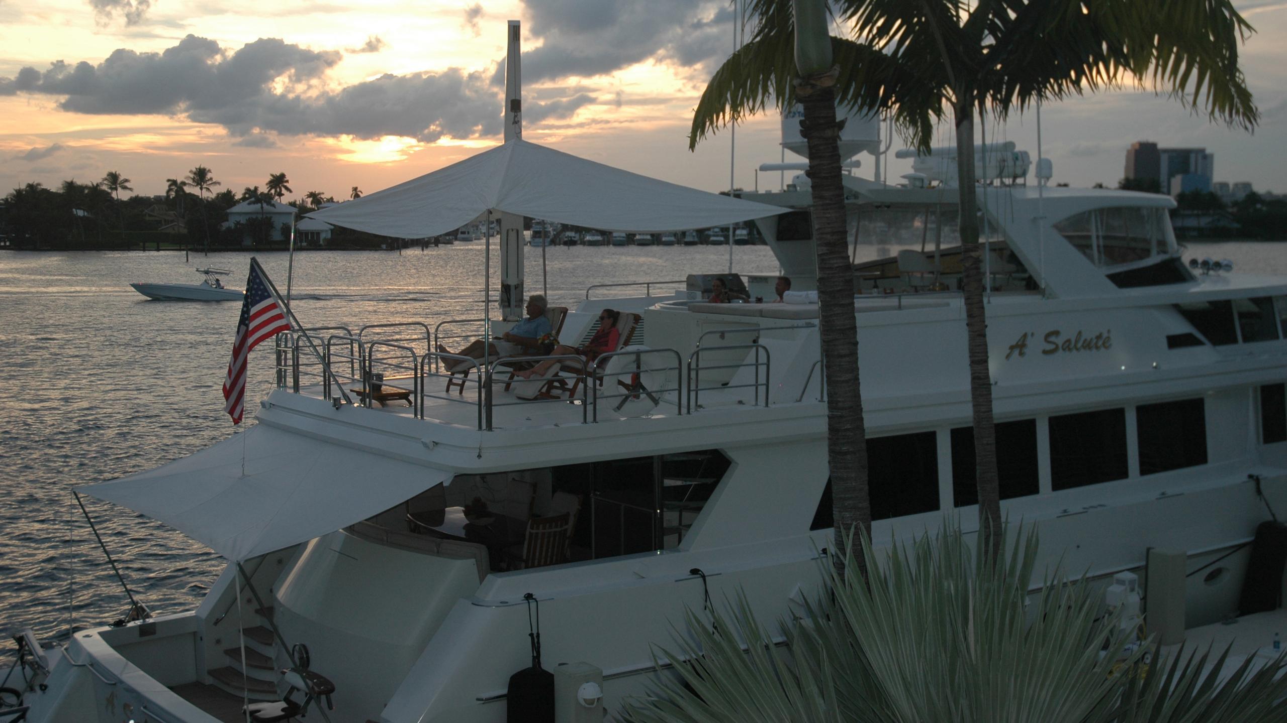 asalute-yacht-sun-deck