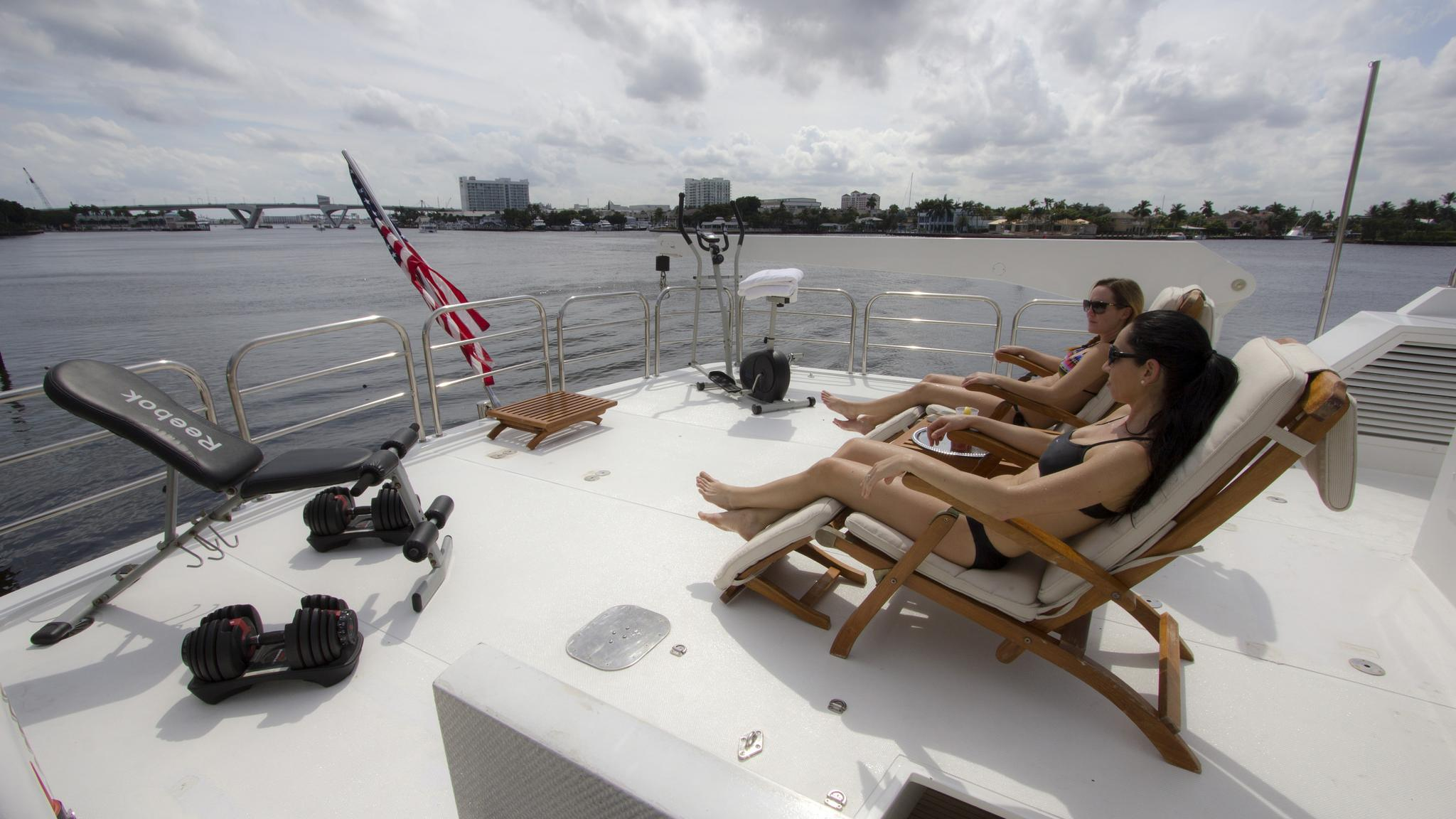 asalute-yacht-deck-chairs