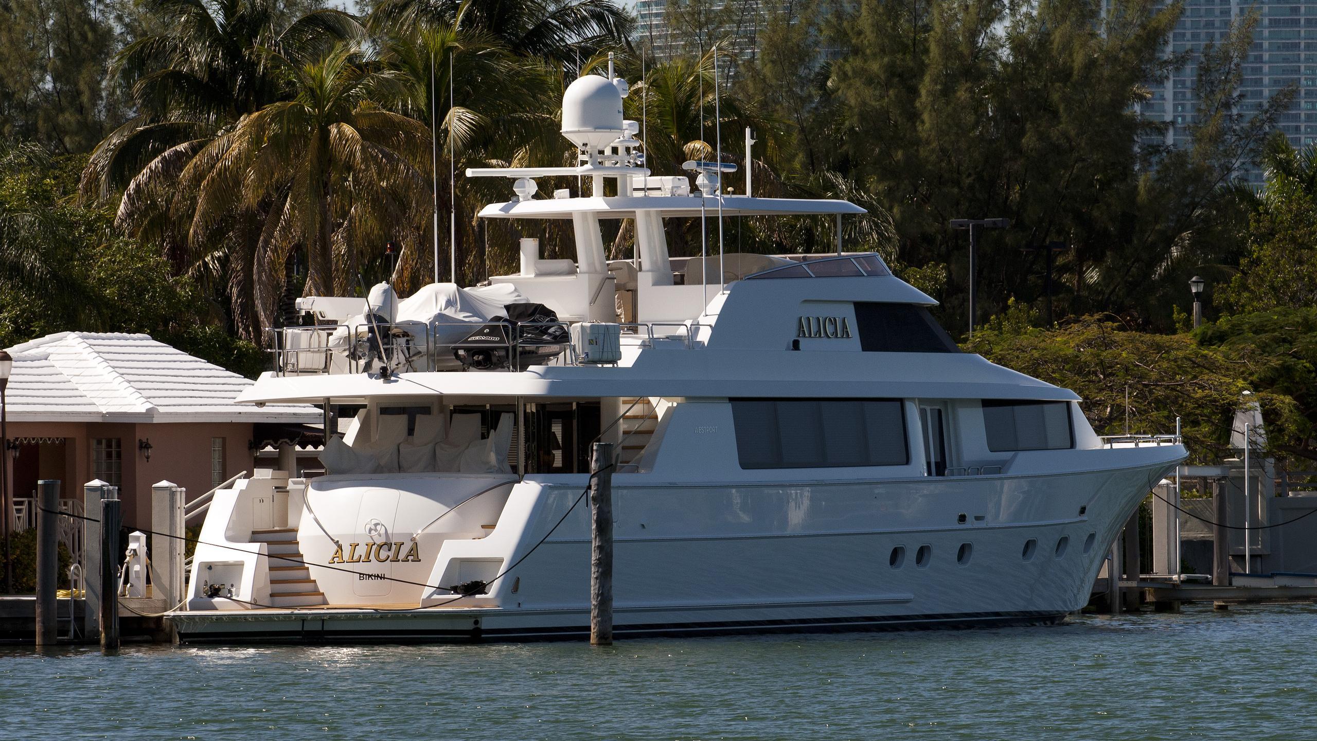 alicia-yacht-exterior
