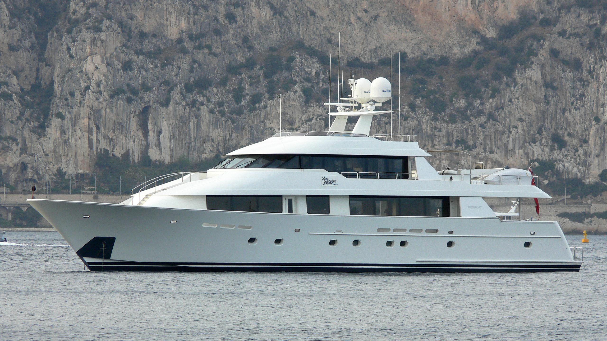 redemption-yacht-exterior