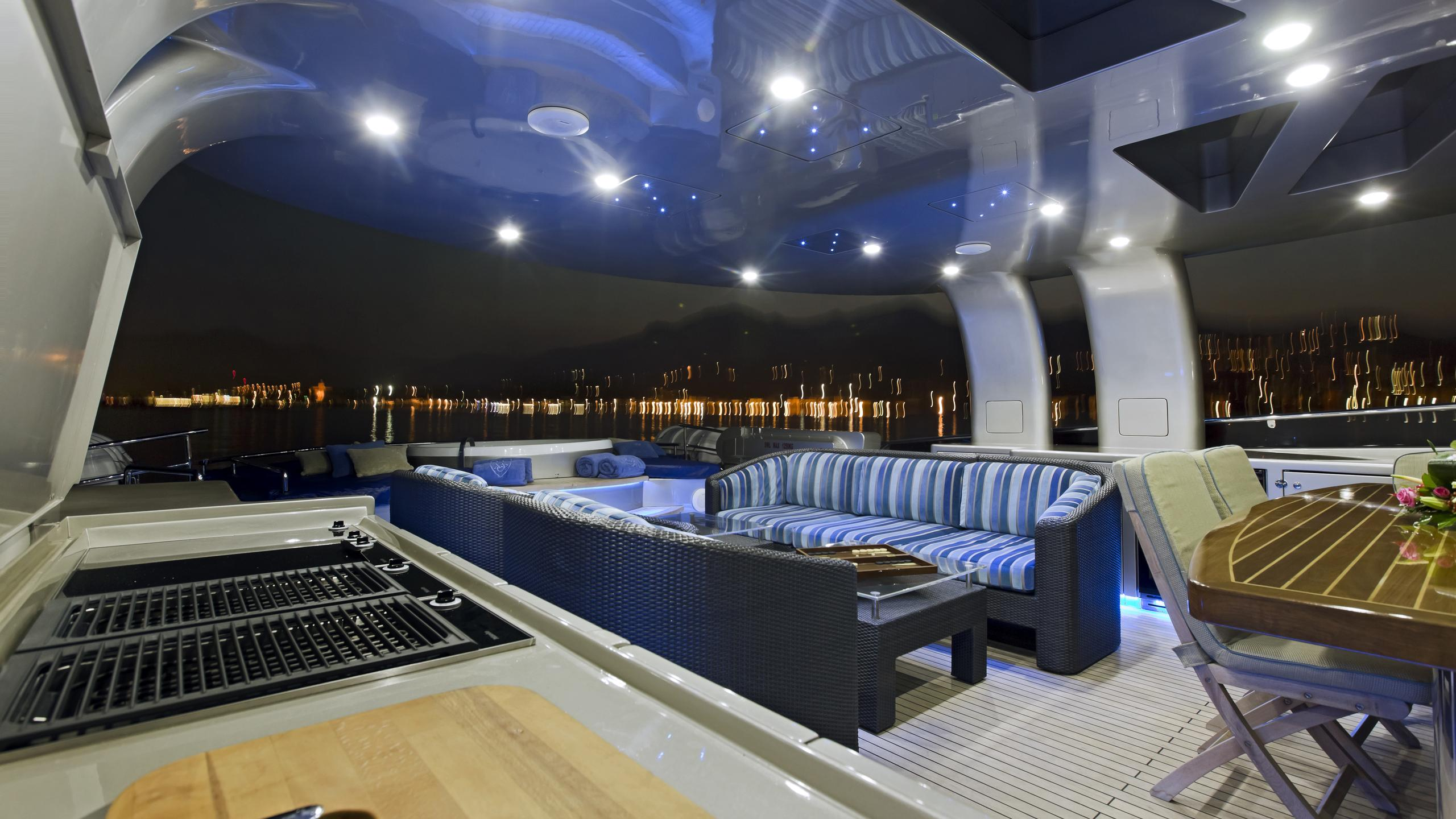 xo-of-the-seas-yacht-sun-deck