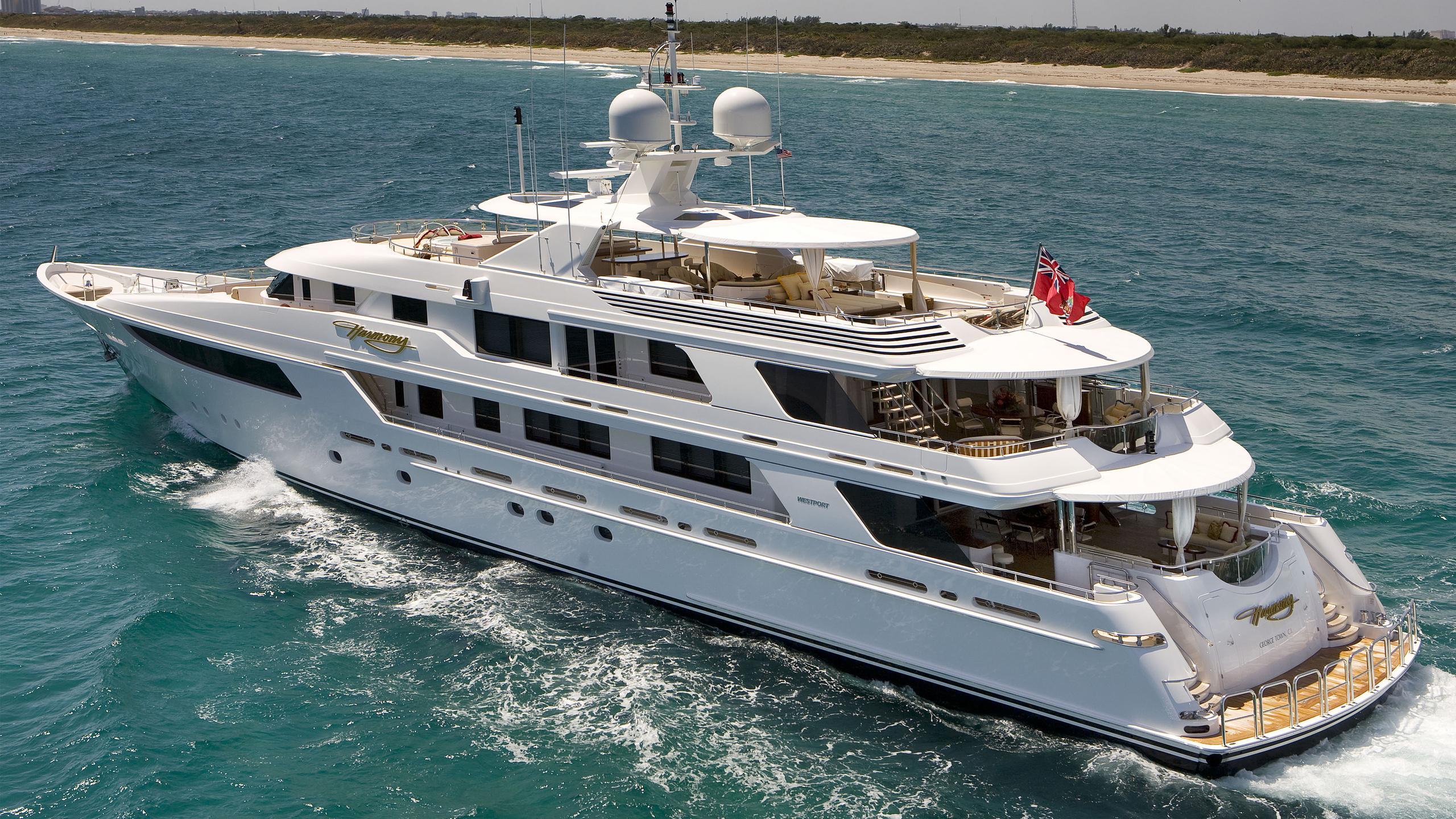 harmony-yacht-cruising