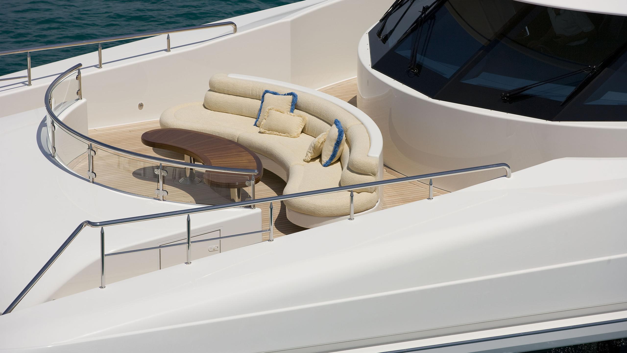 harmony-yacht-sun-deck