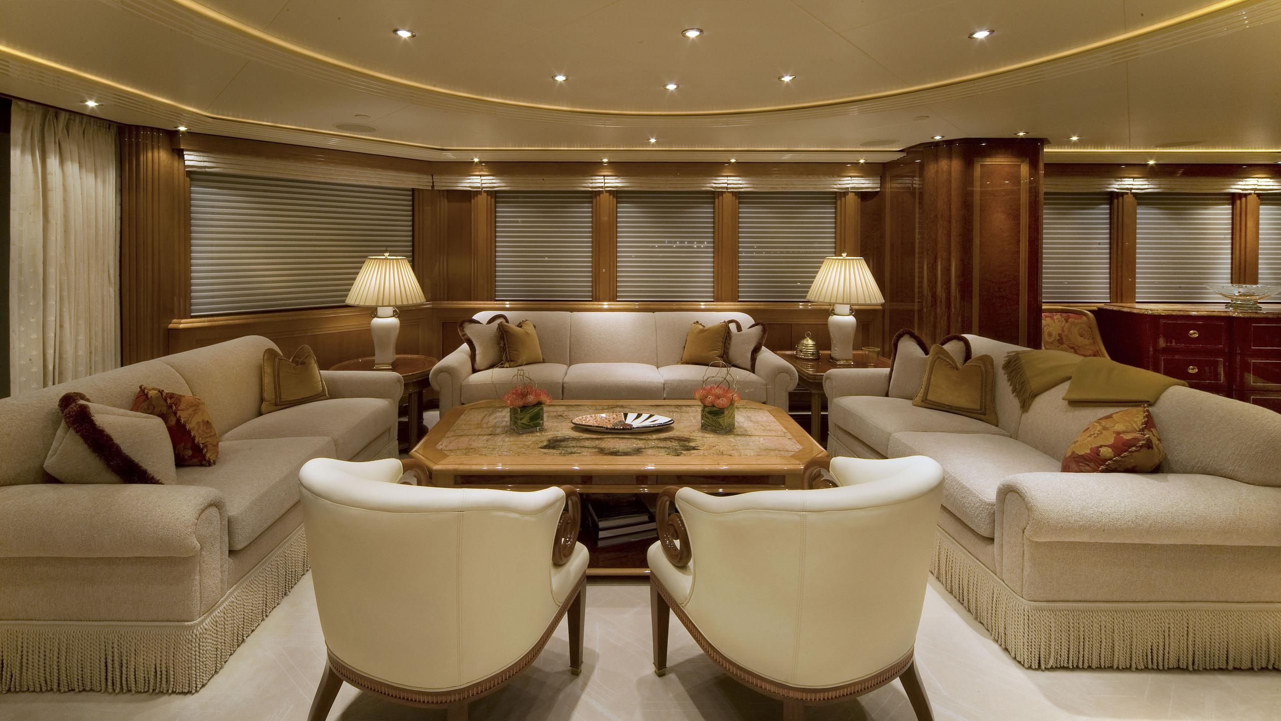 harmony-yacht-saloon