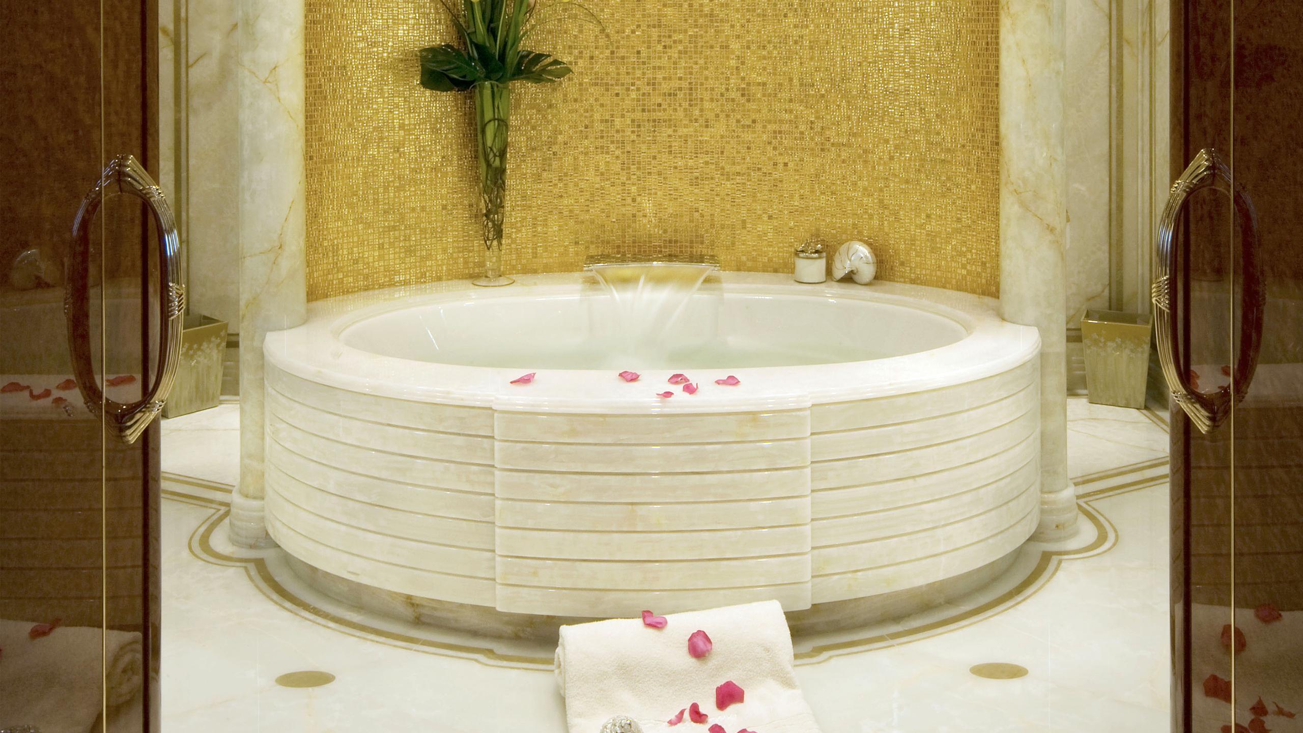 harmony-yacht-bathroom-sauna