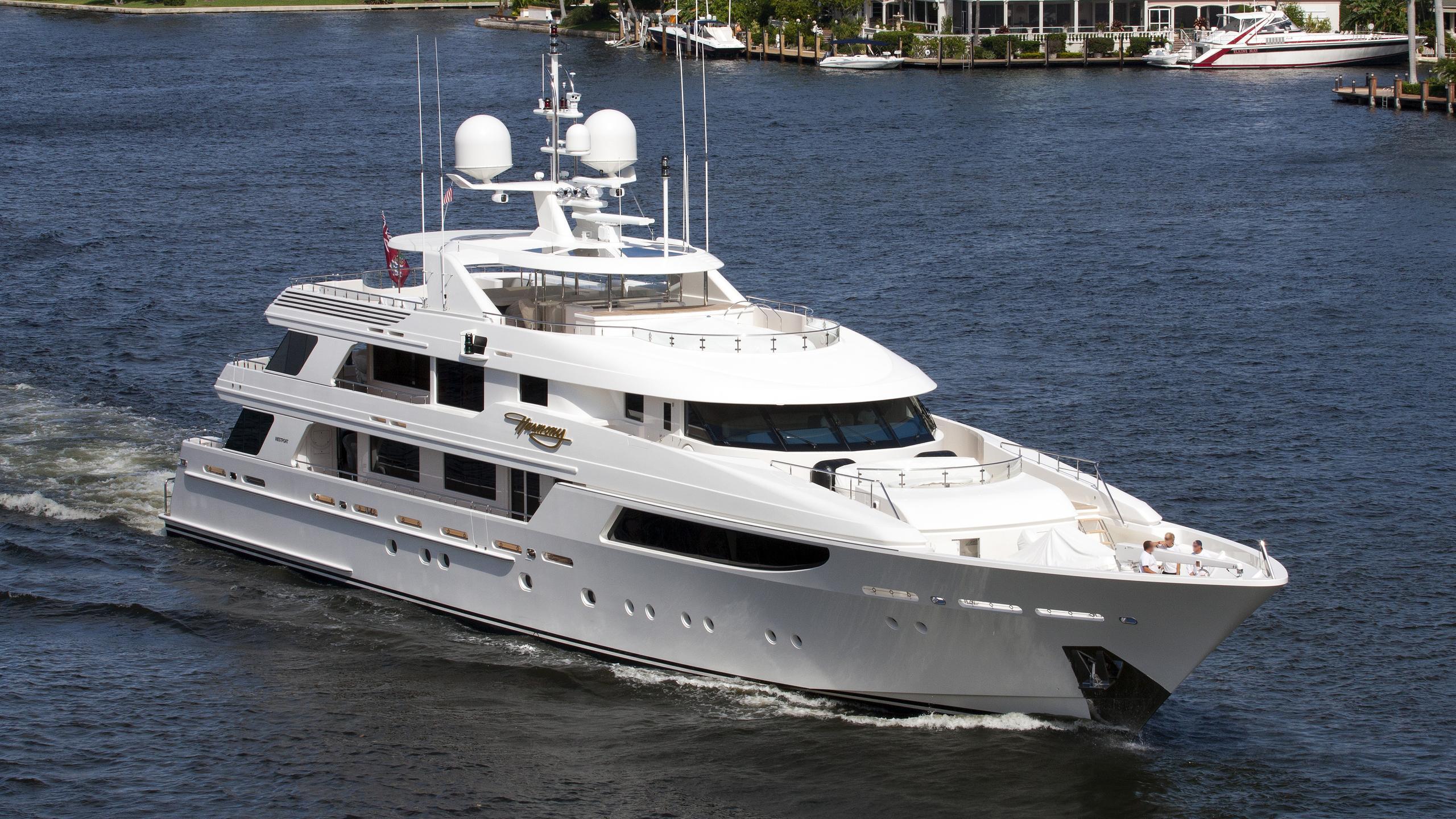 harmony-yacht-exterior