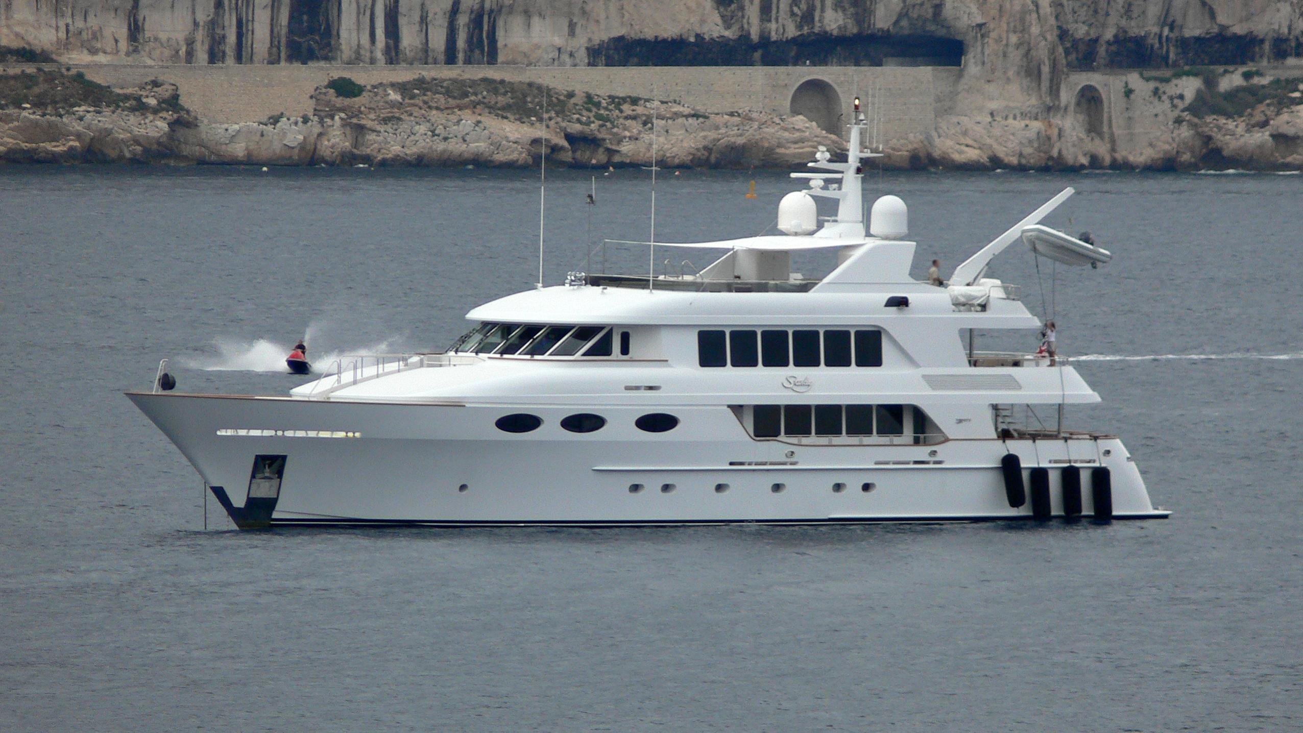 keyla-yacht-exterior