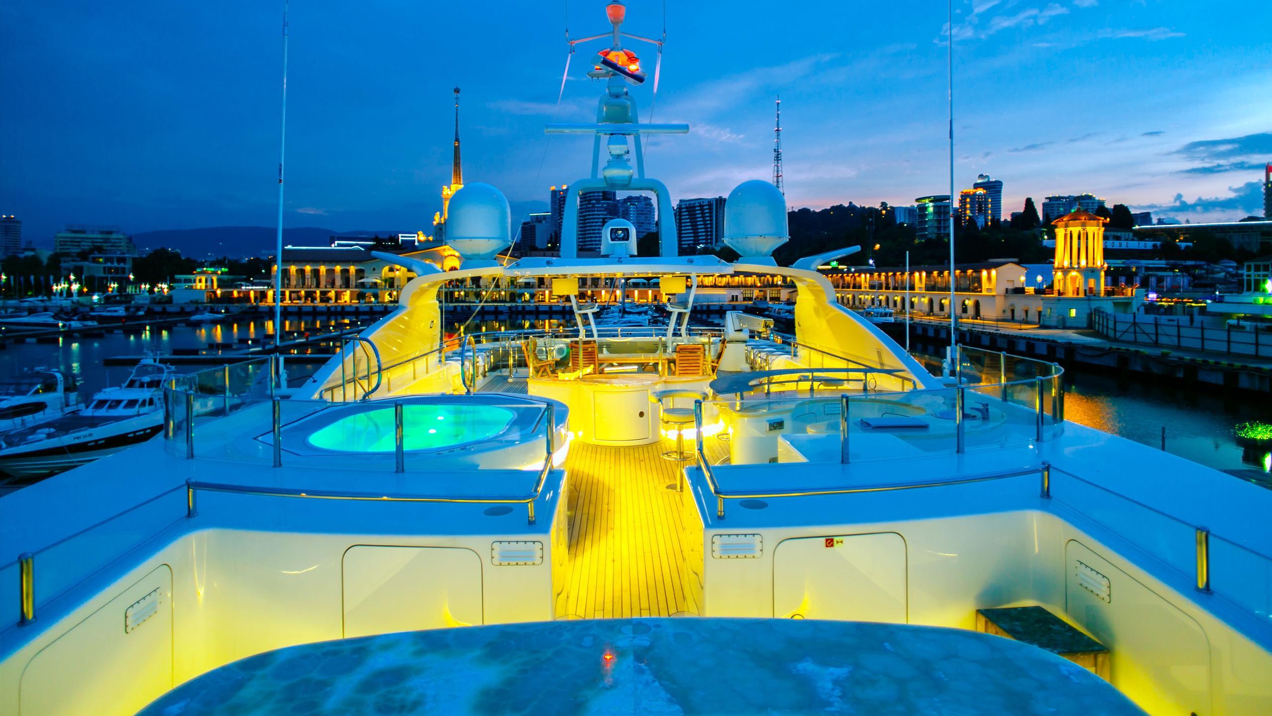beluga-yacht-upper-deck