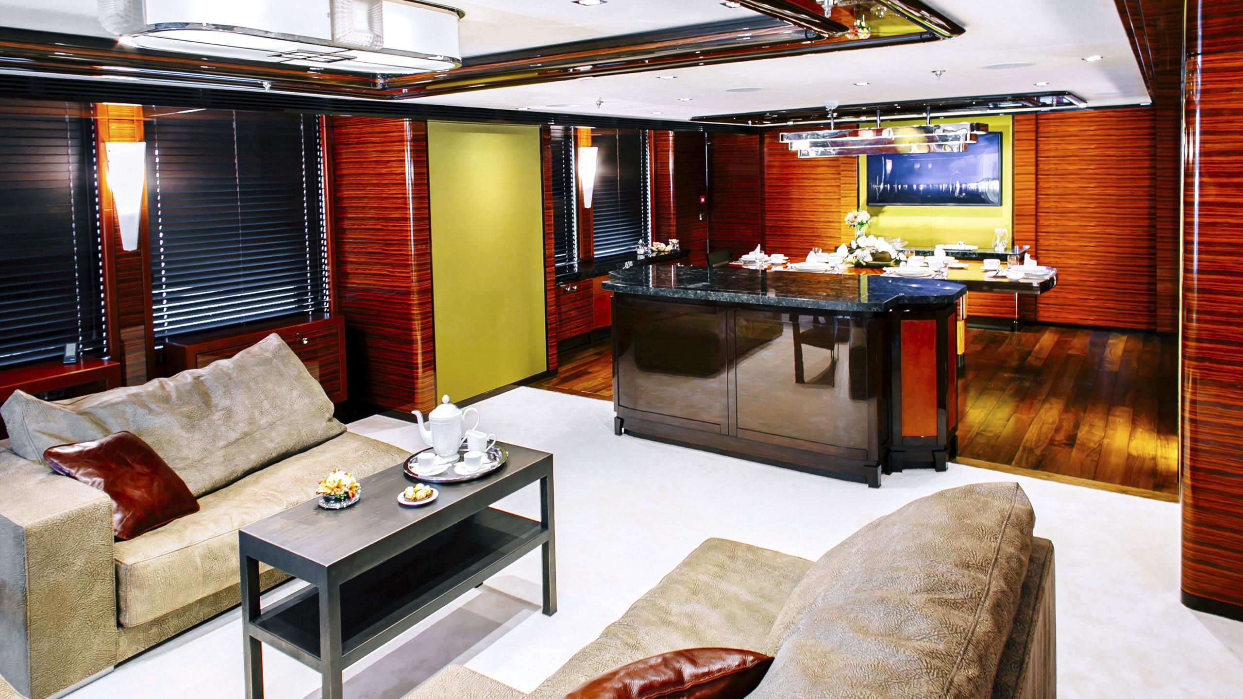 beluga-yacht-saloon