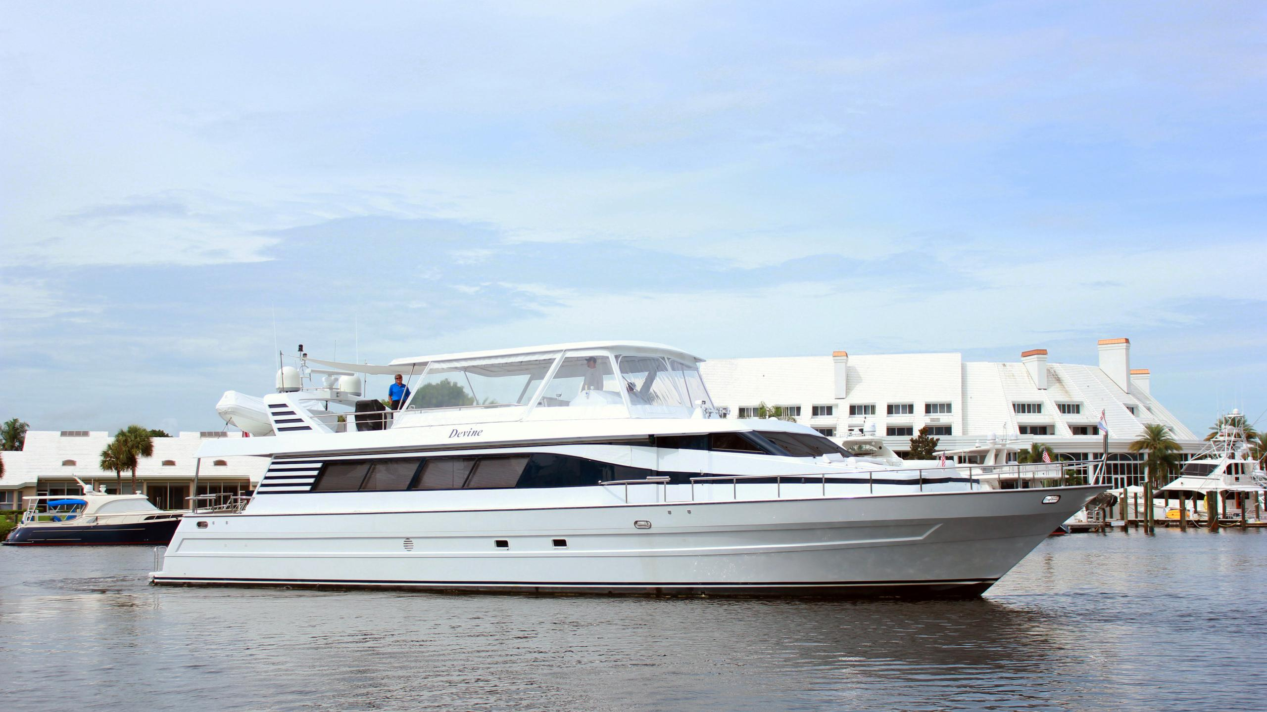 rehab motoryacht tarrab yachts 27m 1998 profile