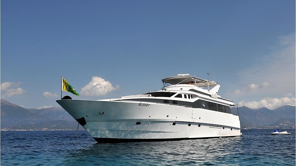 Trilogy-yacht-profile