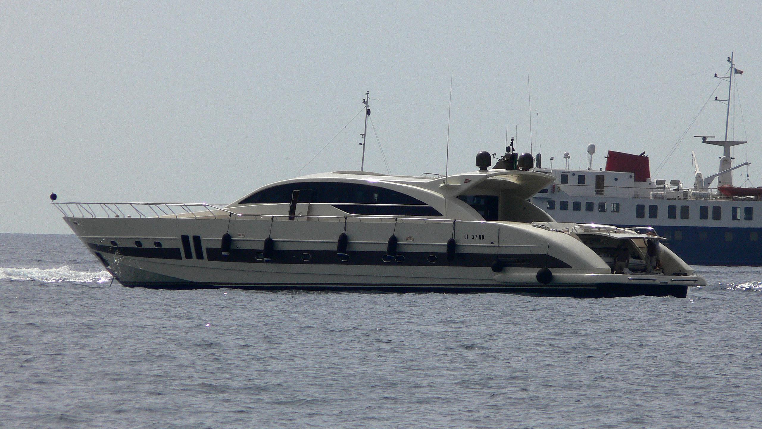 ginevra-yacht-exterior