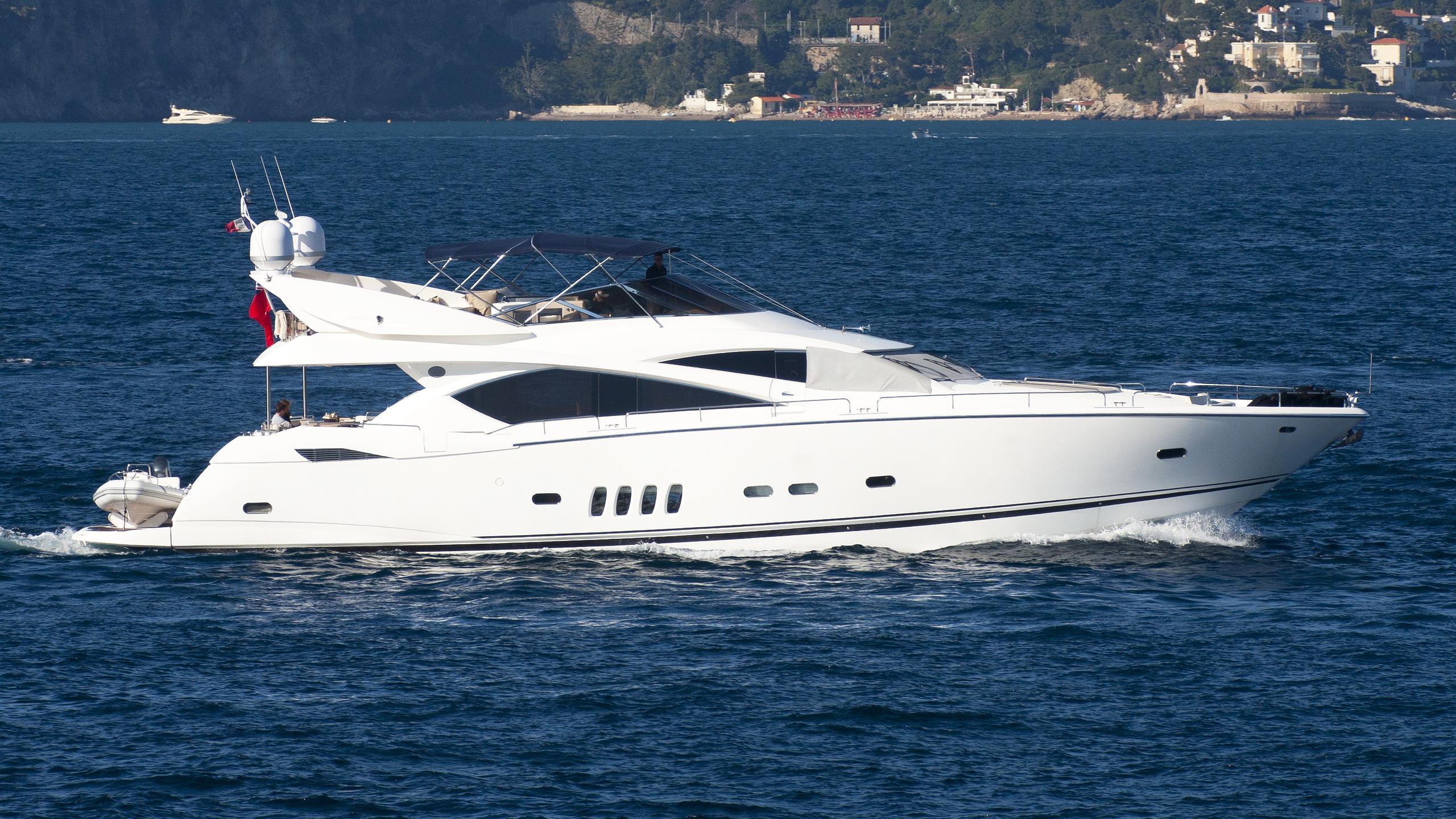 maroma iv phoebe tres gilera motoryacht sunseeker yachts 25m 20015 profile