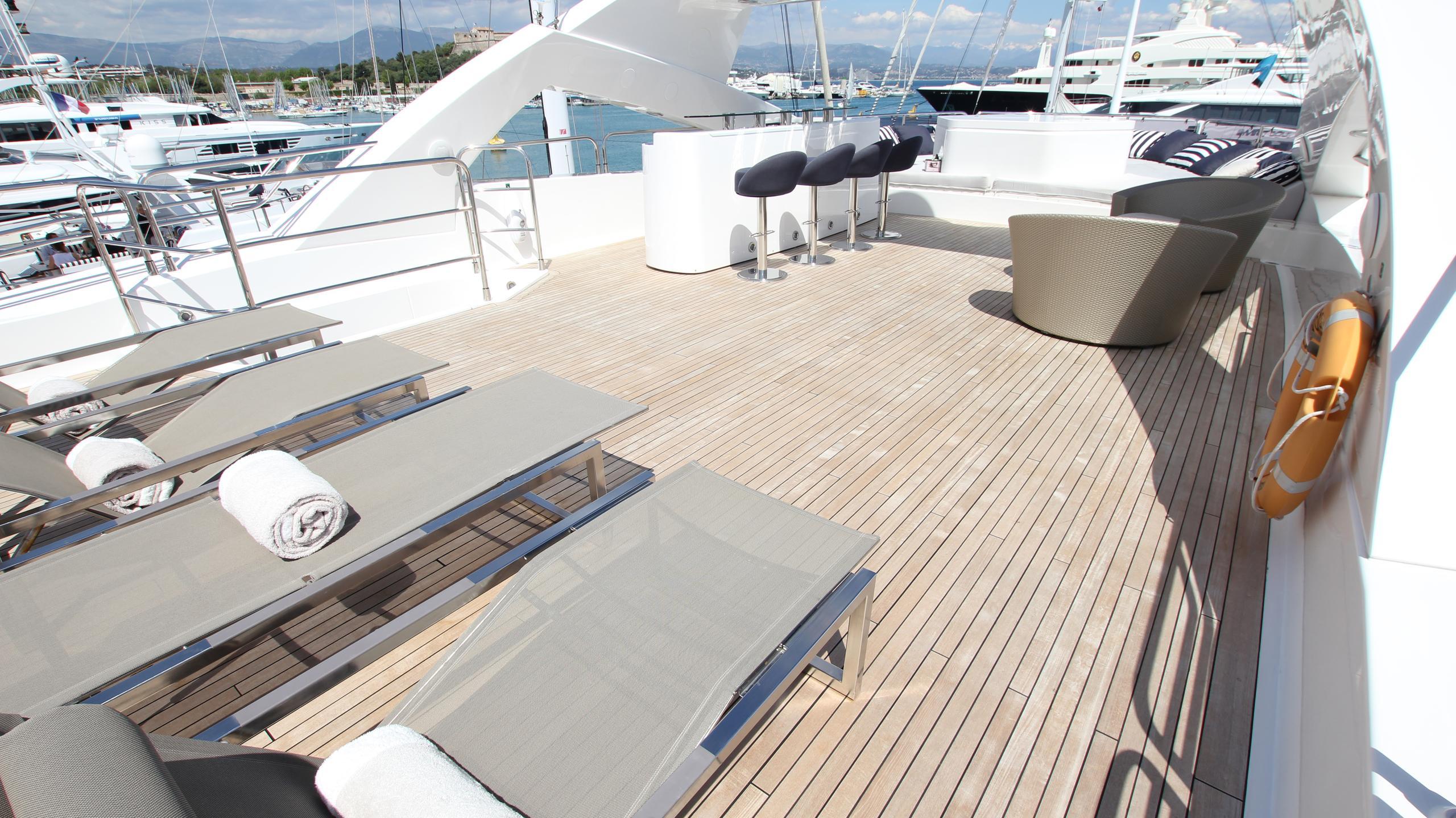 devocean-yacht-sun-deck