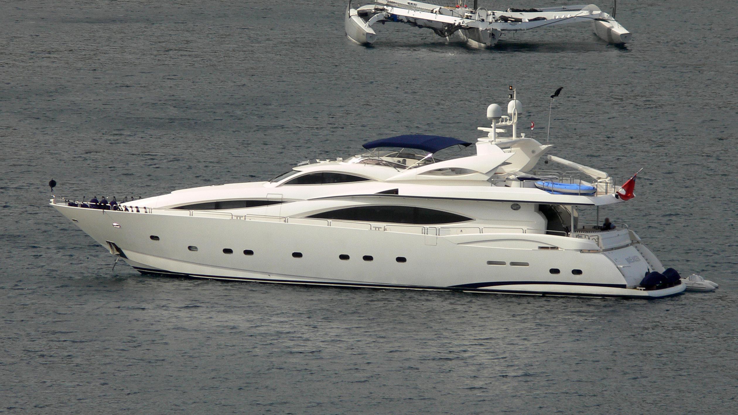beachseeker-yacht-exterior