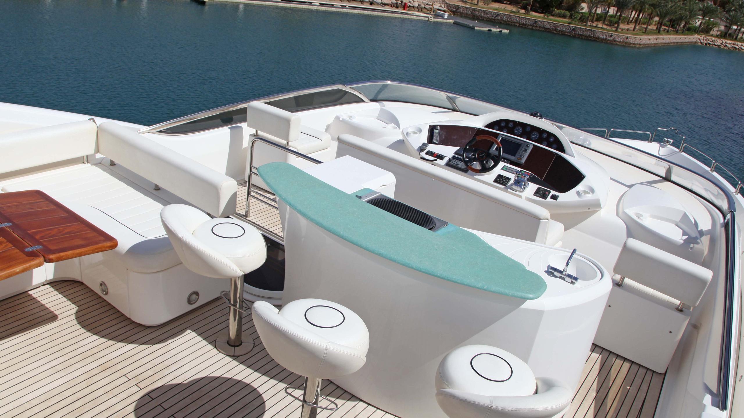 sunseeker-94-yacht-bar