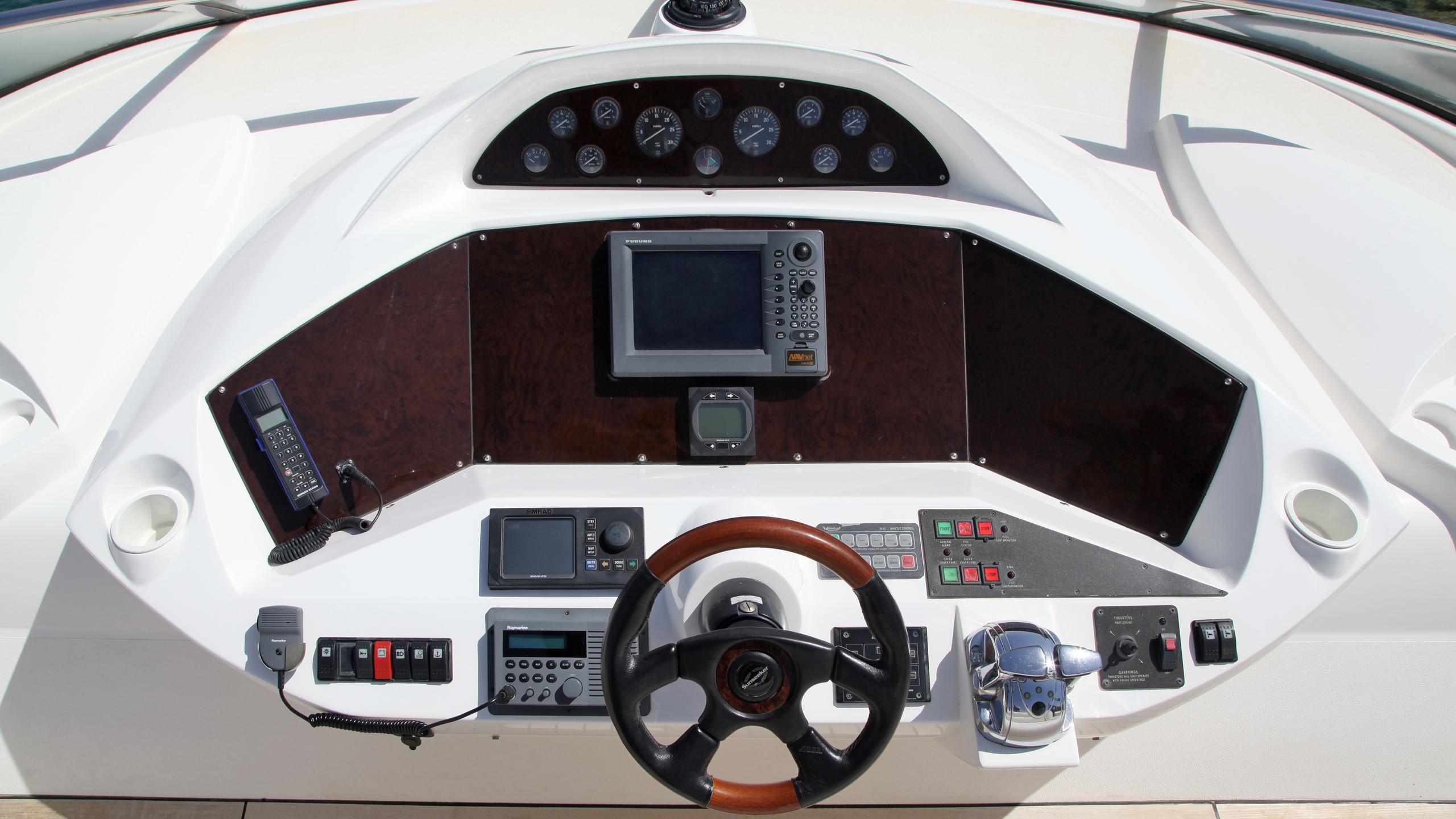 sunseeker-94-yacht-flybridge
