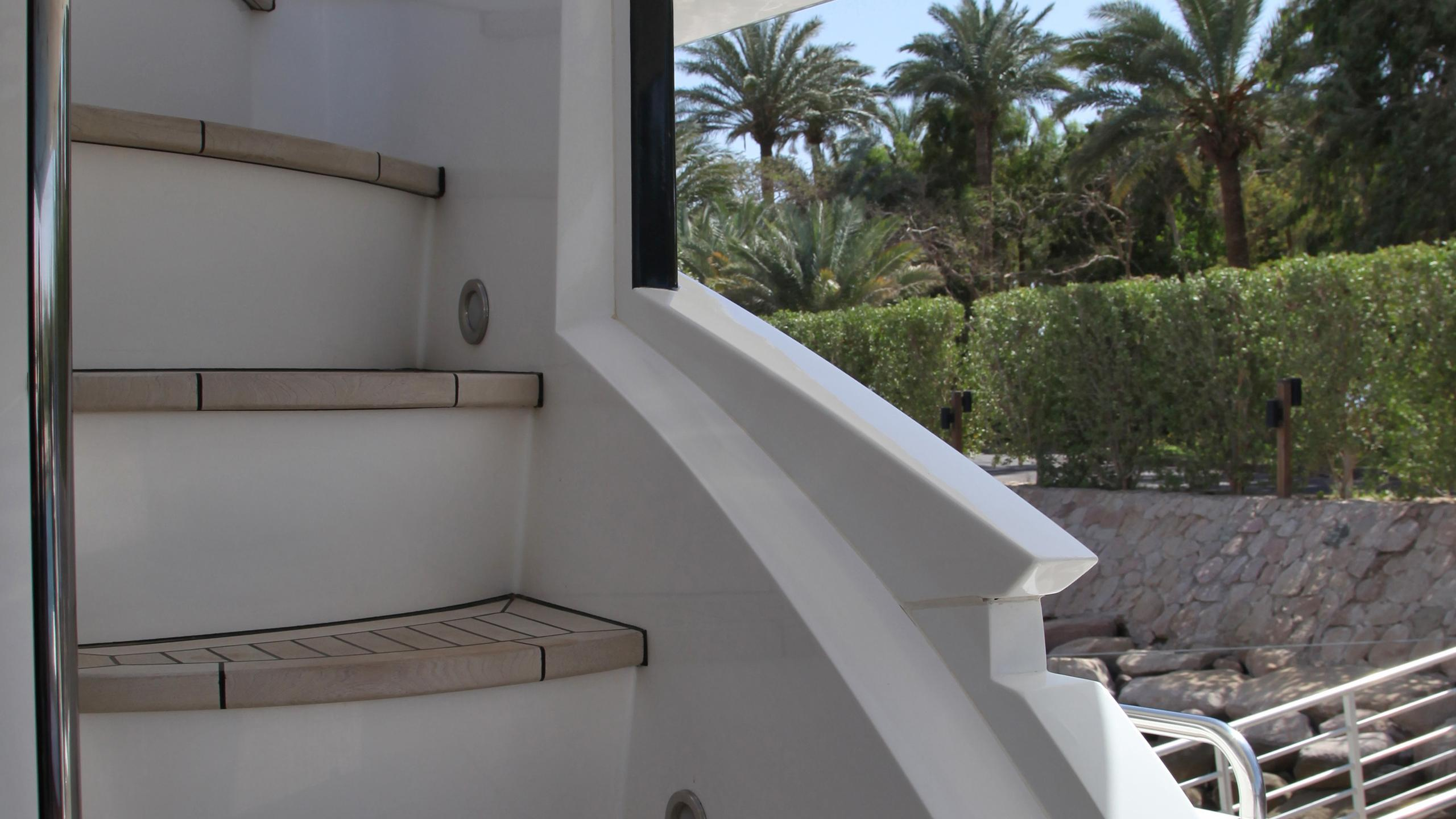 sunseeker-94-yacht-exterior-staircase