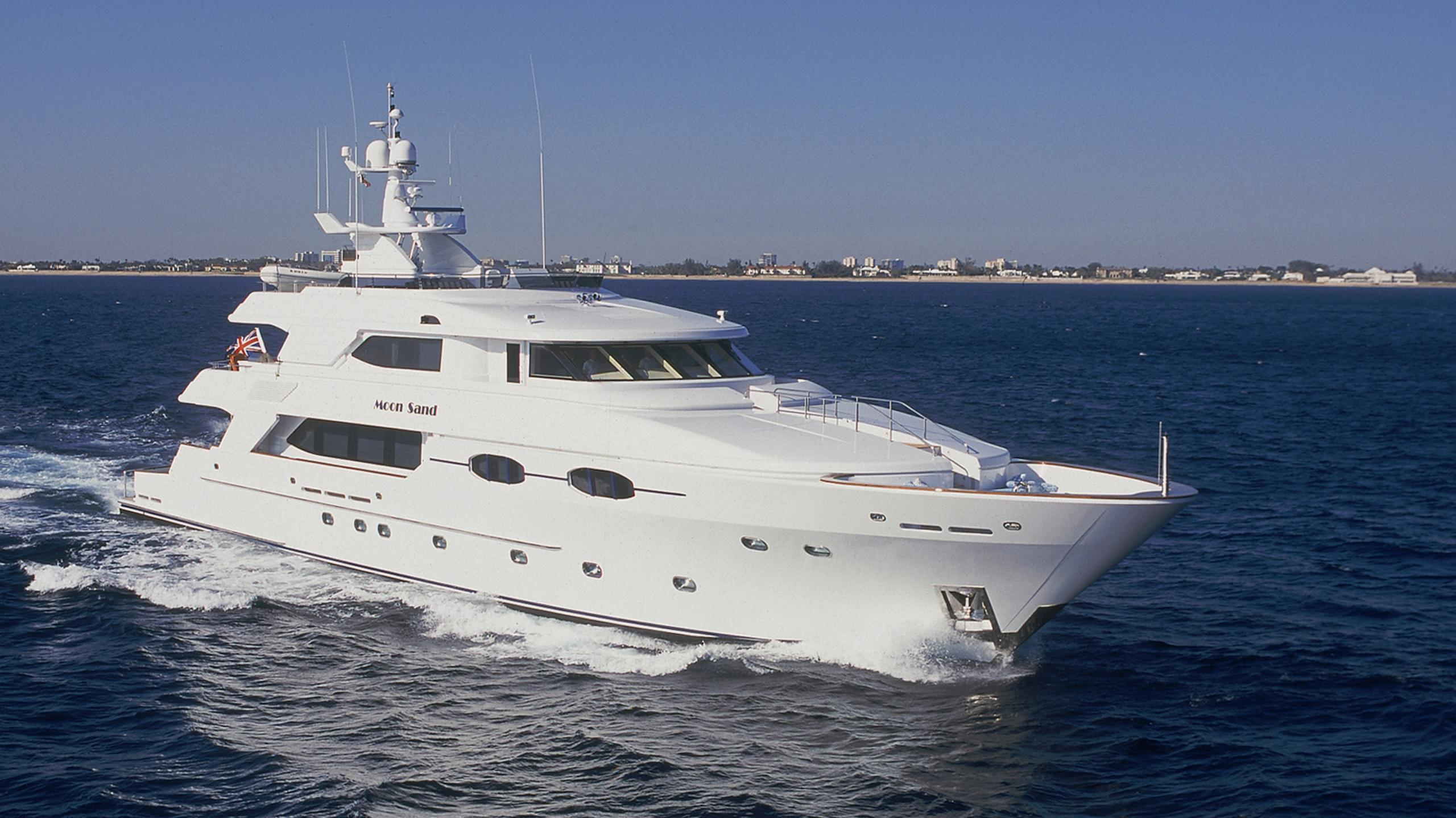 moon-sand-yacht-for-sale-profile