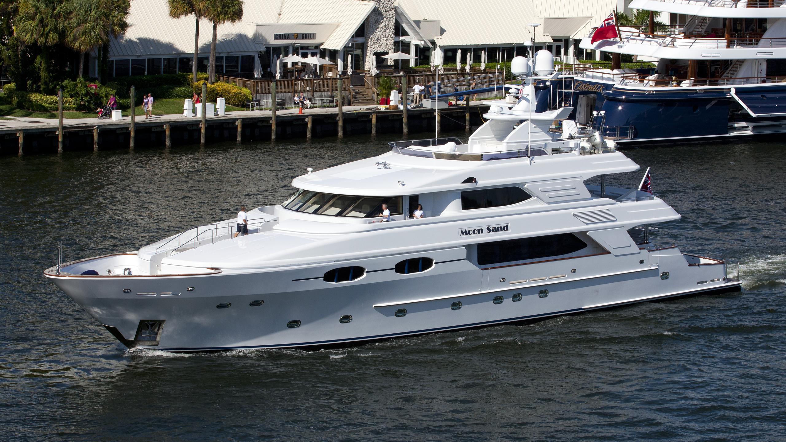 moon-sand-yacht-exterior