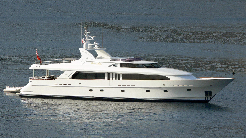 bacchus-alla-yacht-exterior