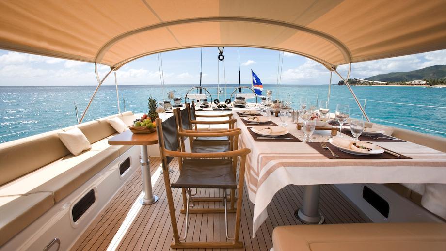 rapture-yacht-deck-dining
