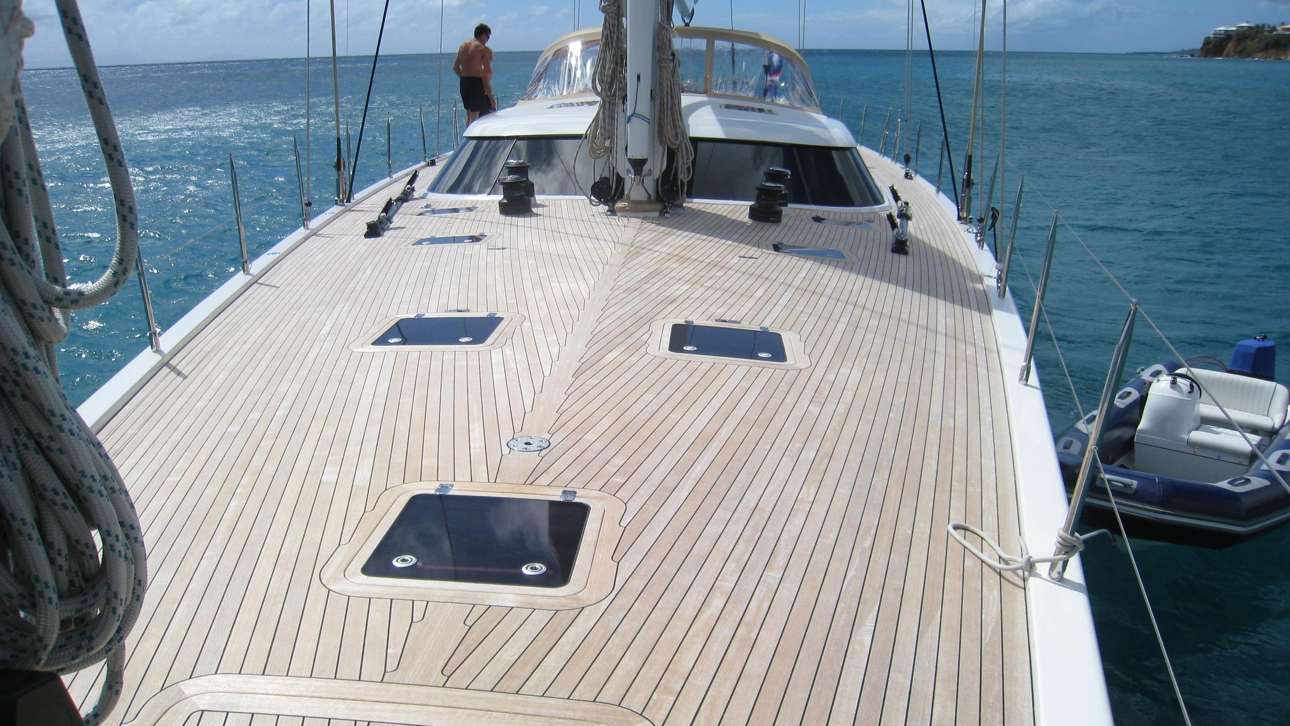 rapture-yacht-deck