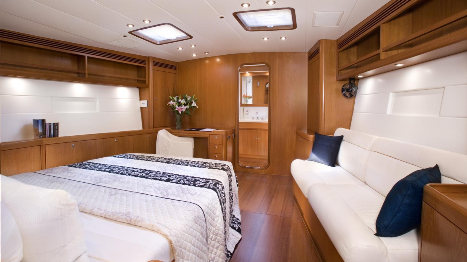 rapture-yacht-double-cabin