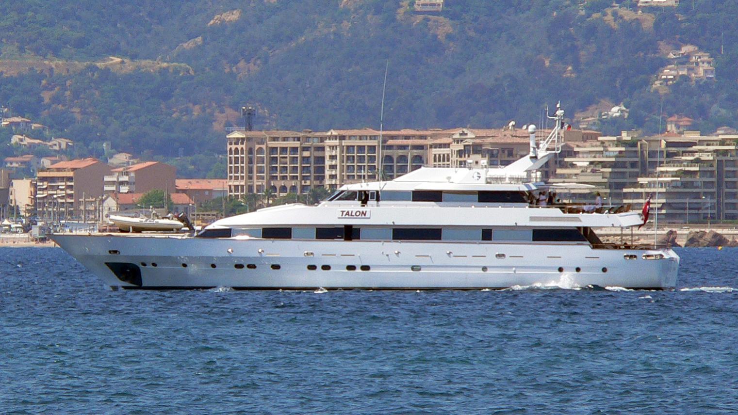 miraggio-yacht-exterior