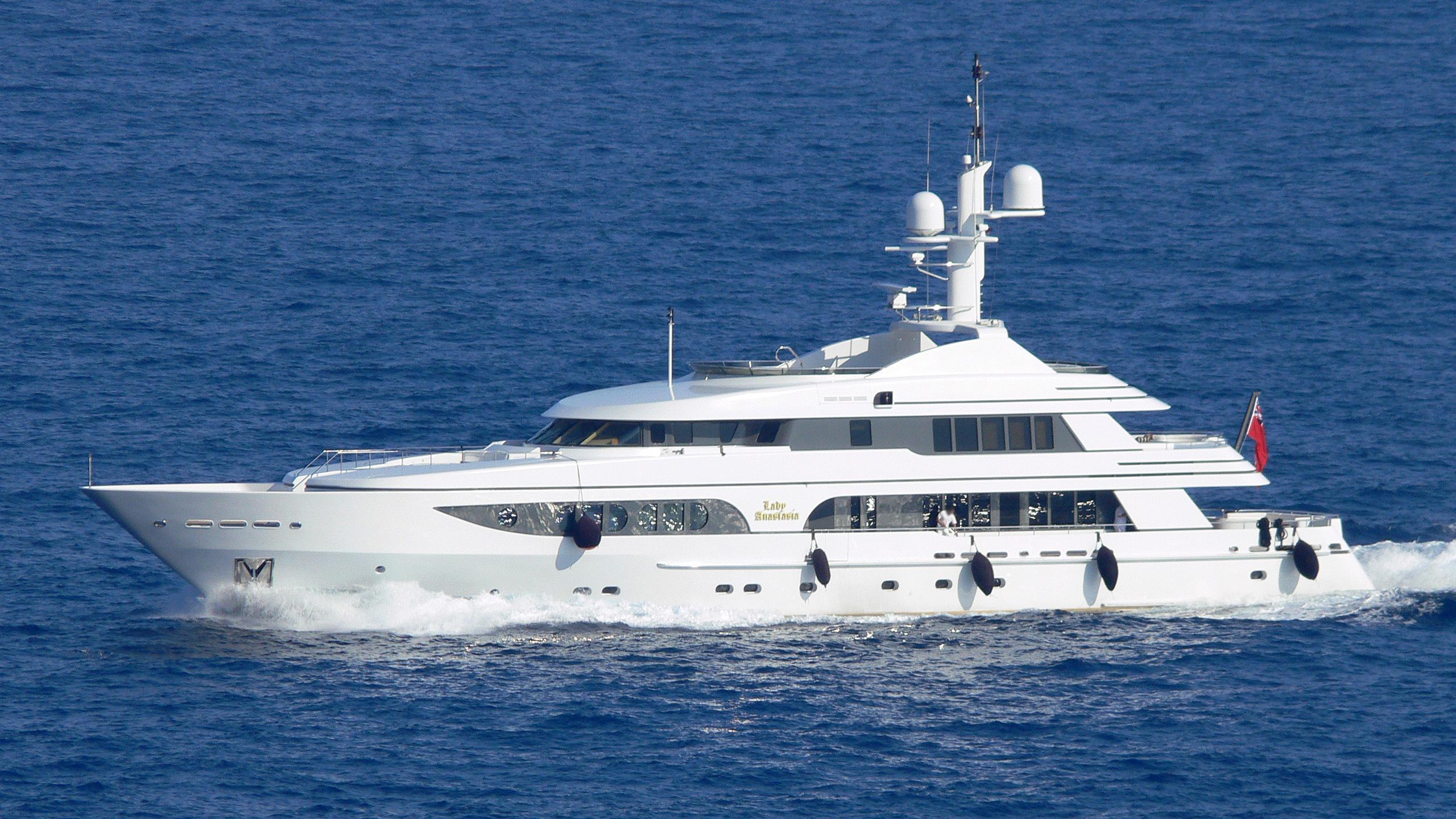 lady-anastasia-yacht-exterior