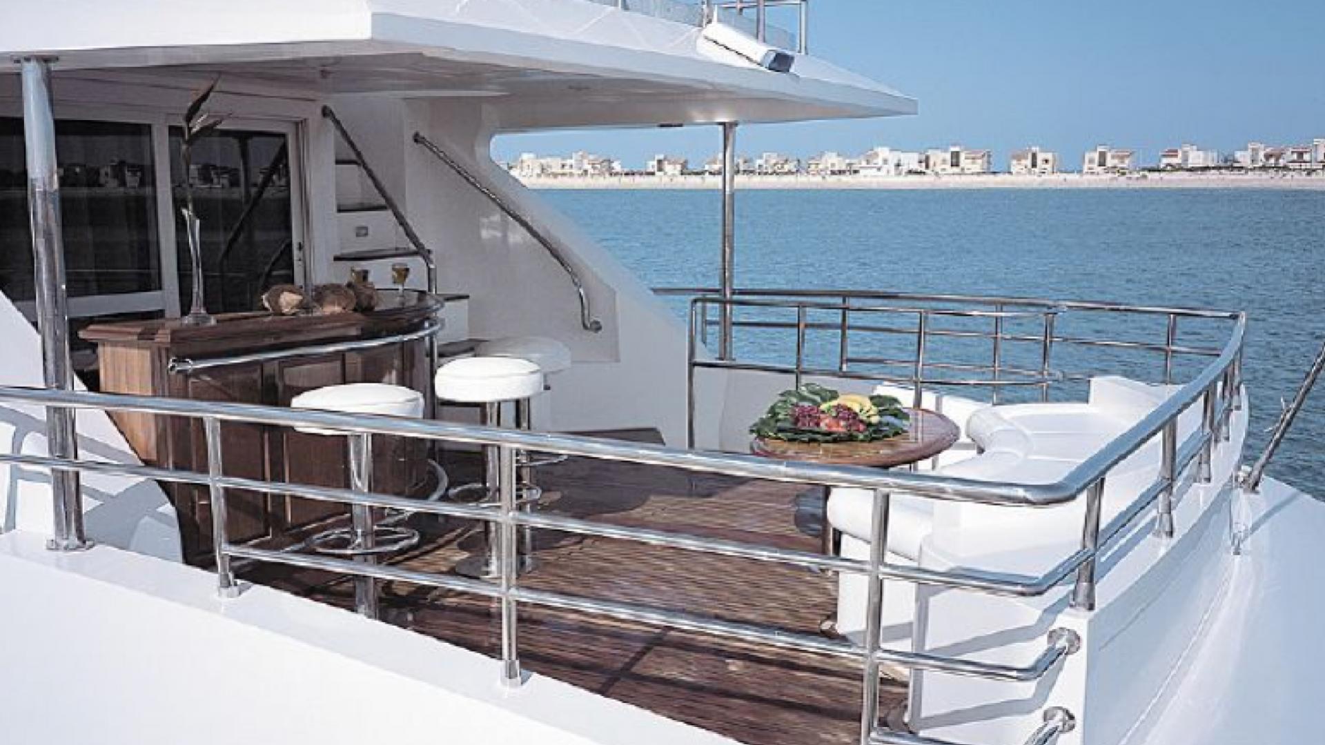 dream-yacht-aft-bar