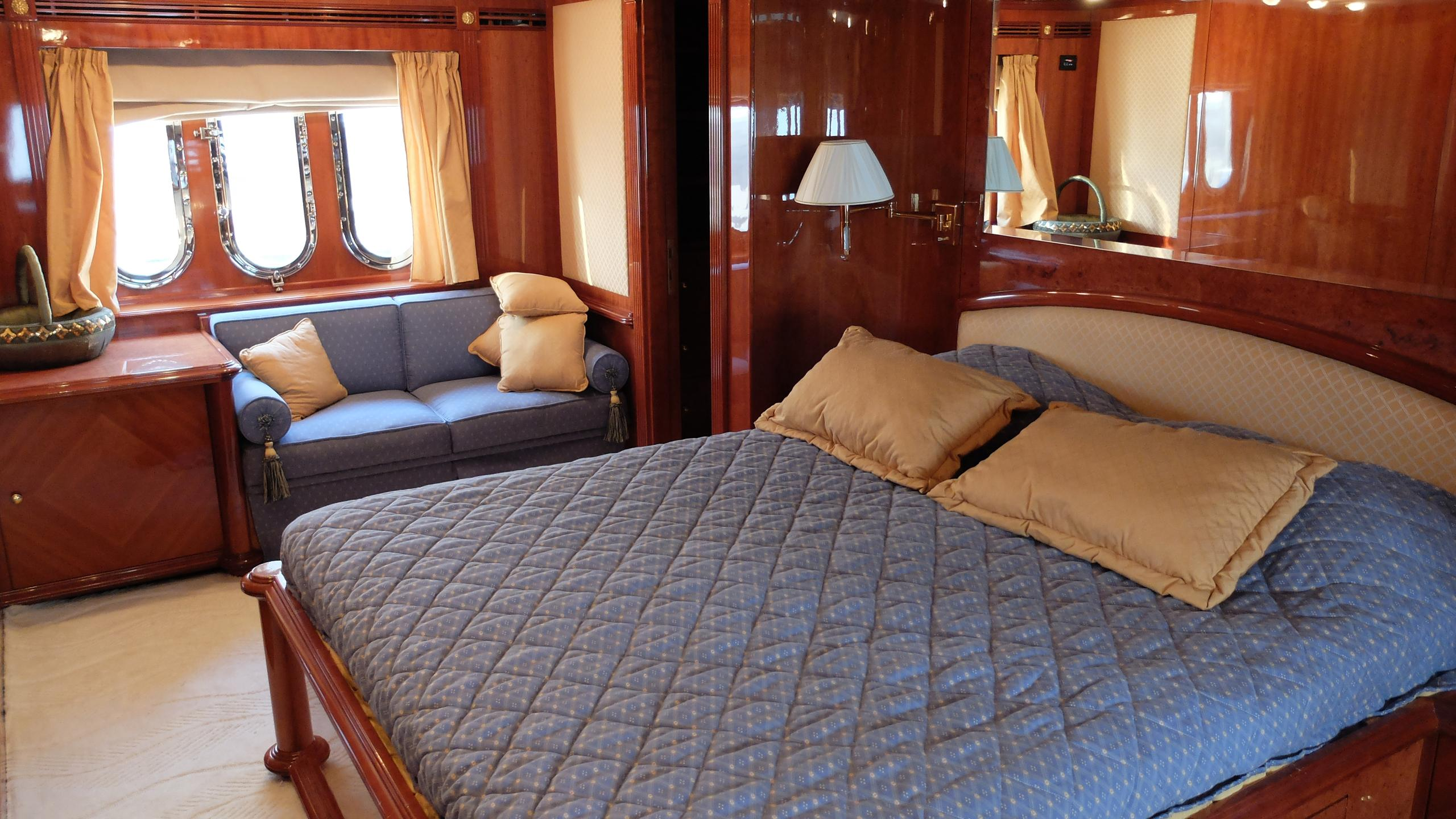 dream-yacht-master-cabin