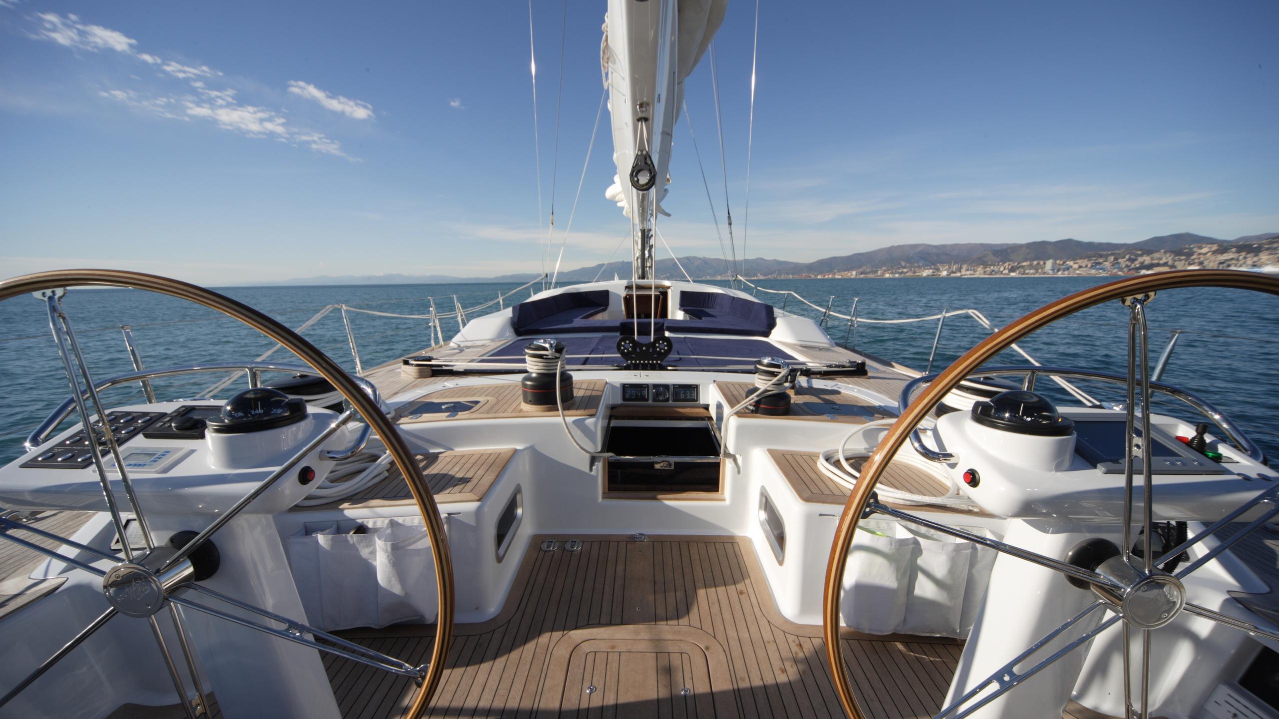 si vis pacem sailing yacht southern wind shipyard 24m 2005 helm