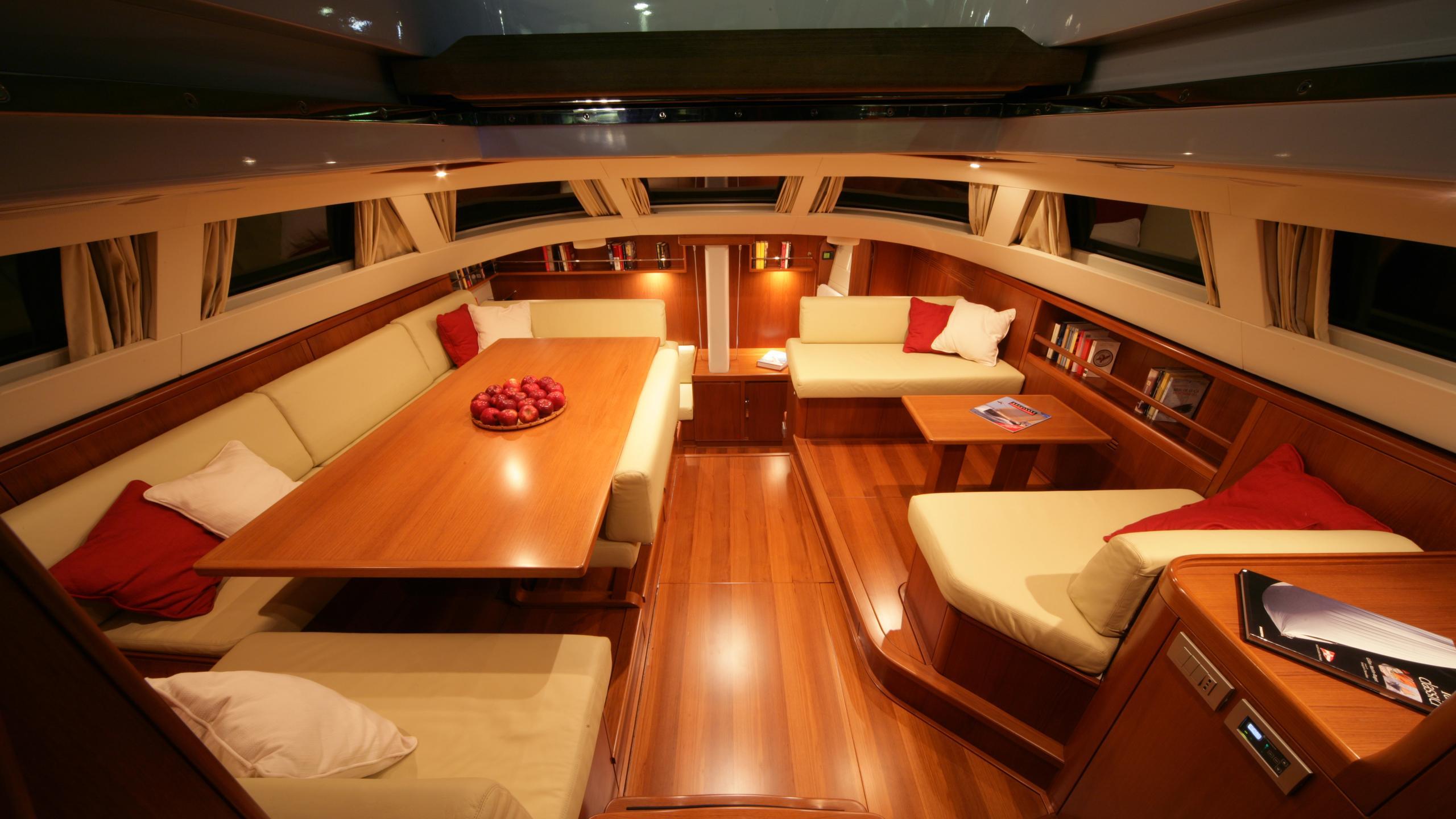 si vis pacem sailing yacht southern wind shipyard 24m 2005 saloon