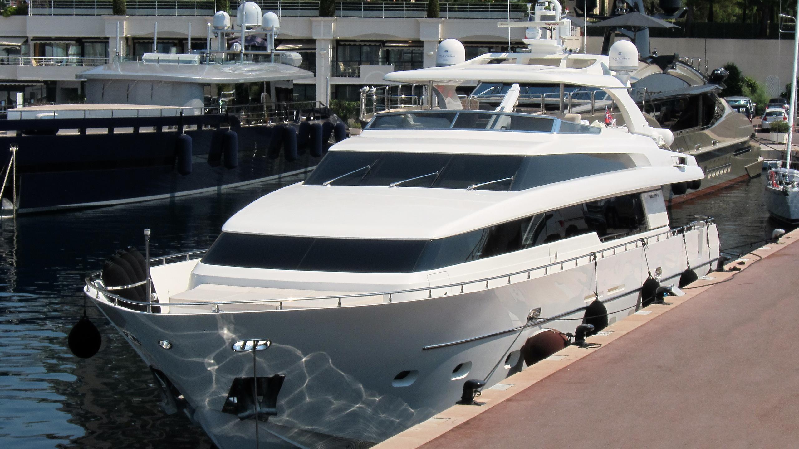 gps-yacht-exterior